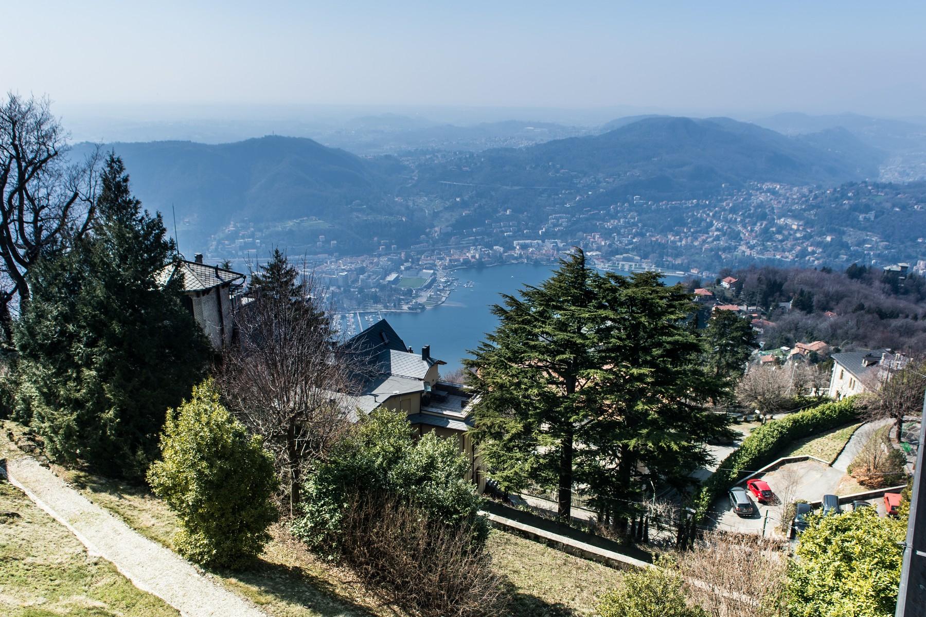 Villa in Vendita a Brunate: 5 locali, 600 mq - Foto 2