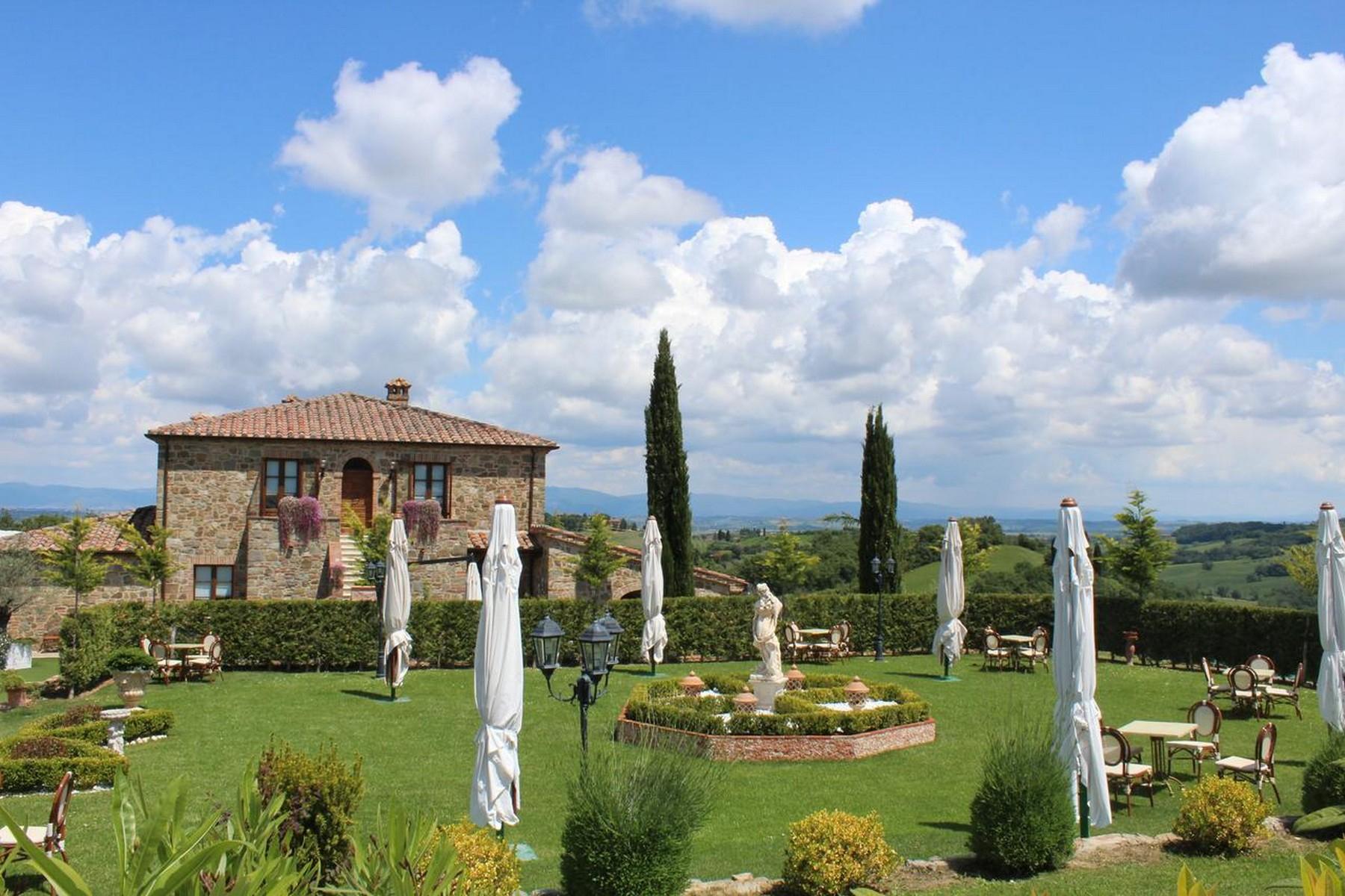 Villa in Vendita a Torrita Di Siena: 5 locali, 800 mq - Foto 2