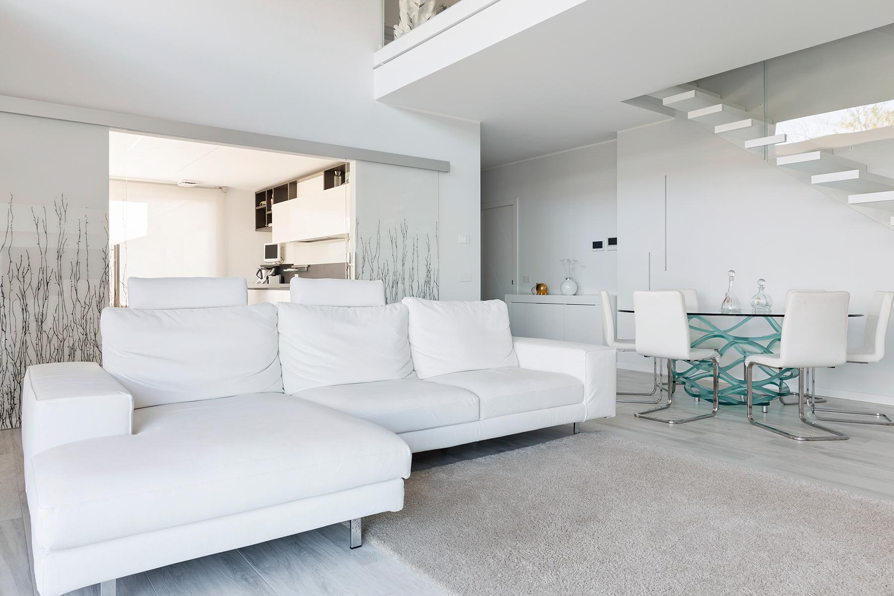 Villa in Vendita a Dormelletto: 5 locali, 350 mq