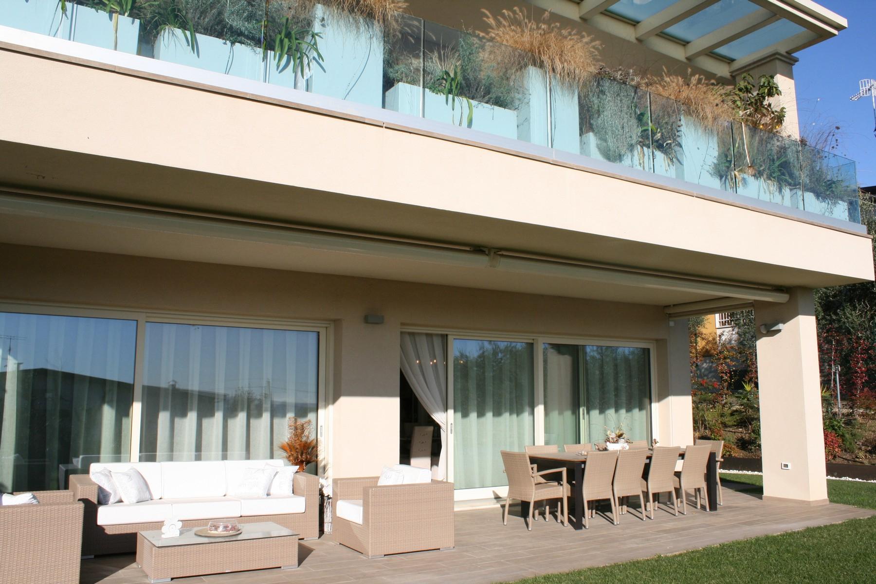 Appartamento in Vendita a Padenghe Sul Garda: 5 locali, 220 mq