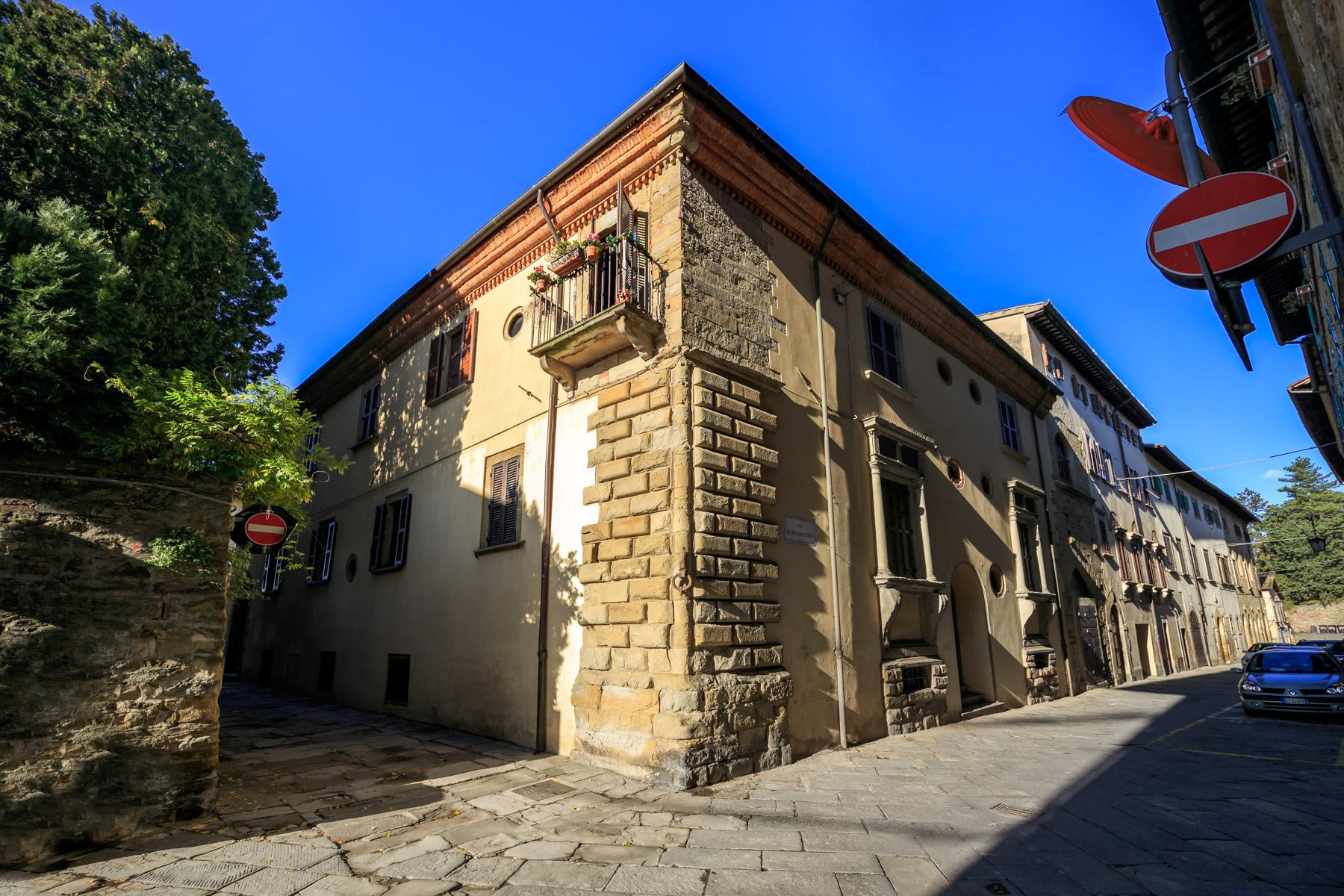 Palazzo in Vendita a Arezzo via pellicceria