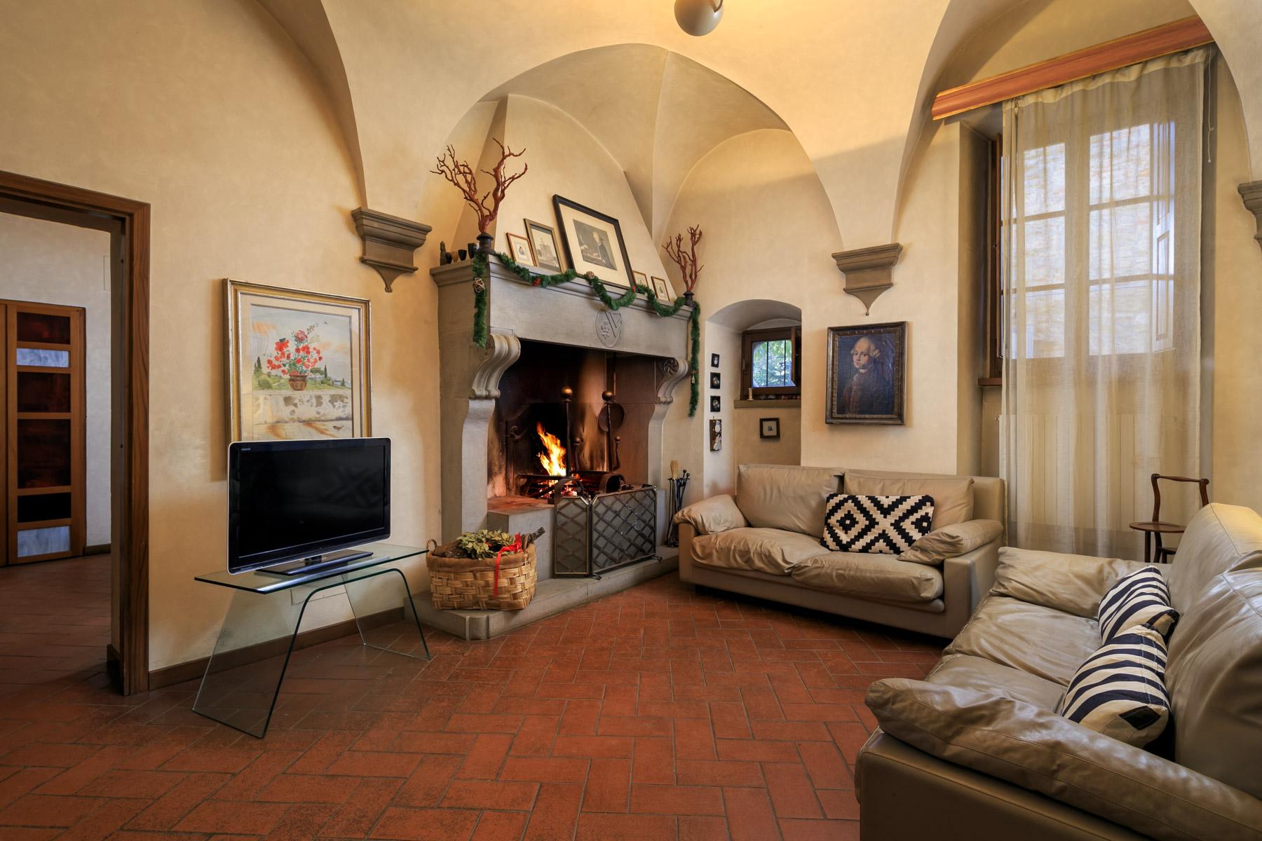 Palazzo in Vendita a Arezzo: 5 locali, 1140 mq - Foto 2