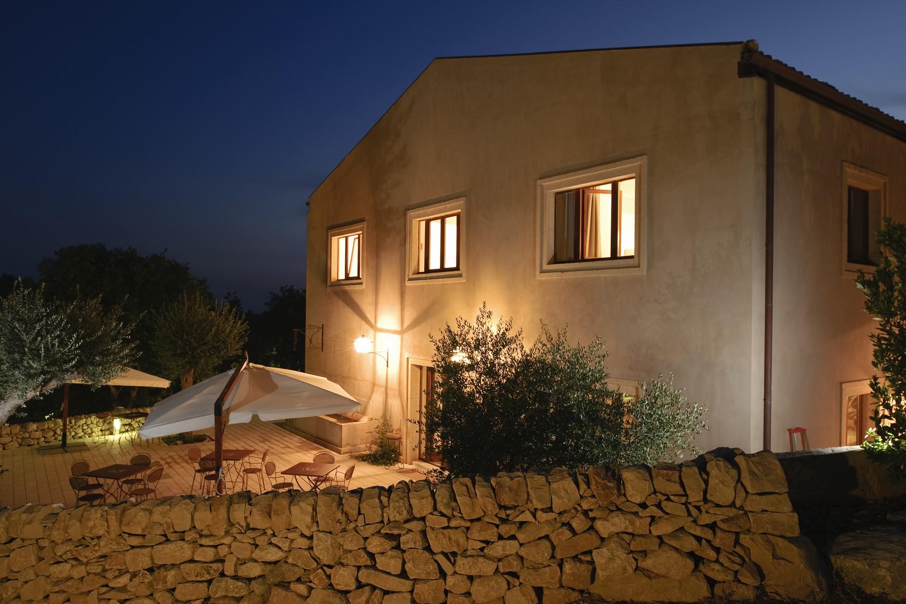 Villa in Vendita a Ragusa: 5 locali, 3000 mq - Foto 2