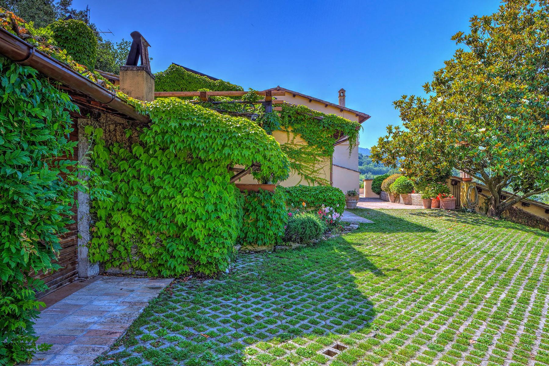 Villa in Vendita a Foligno: 5 locali, 350 mq - Foto 3