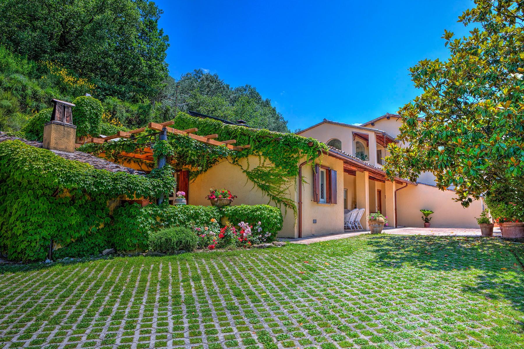 Villa in Vendita a Foligno: 5 locali, 350 mq - Foto 21