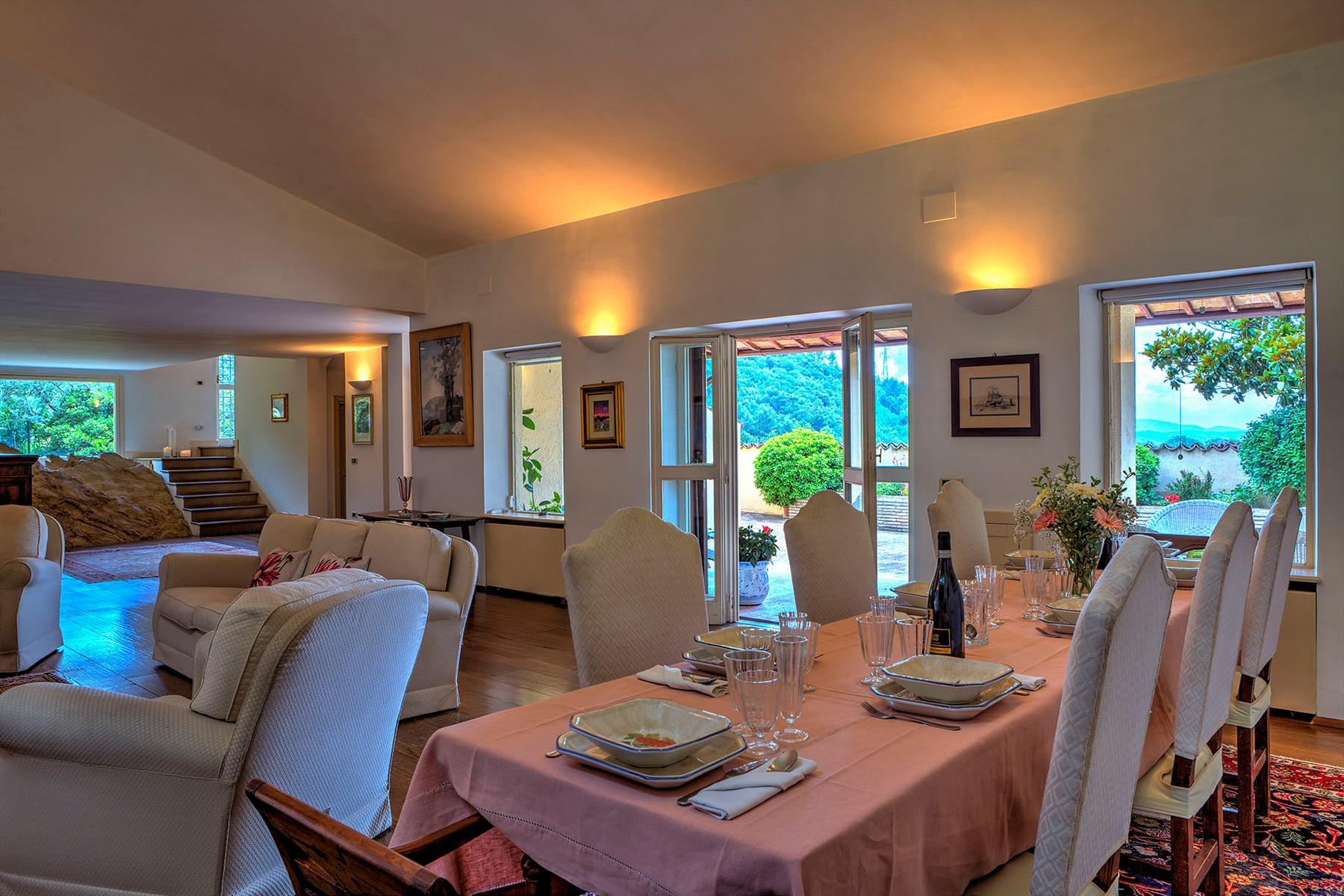 Villa in Vendita a Foligno: 5 locali, 350 mq - Foto 6