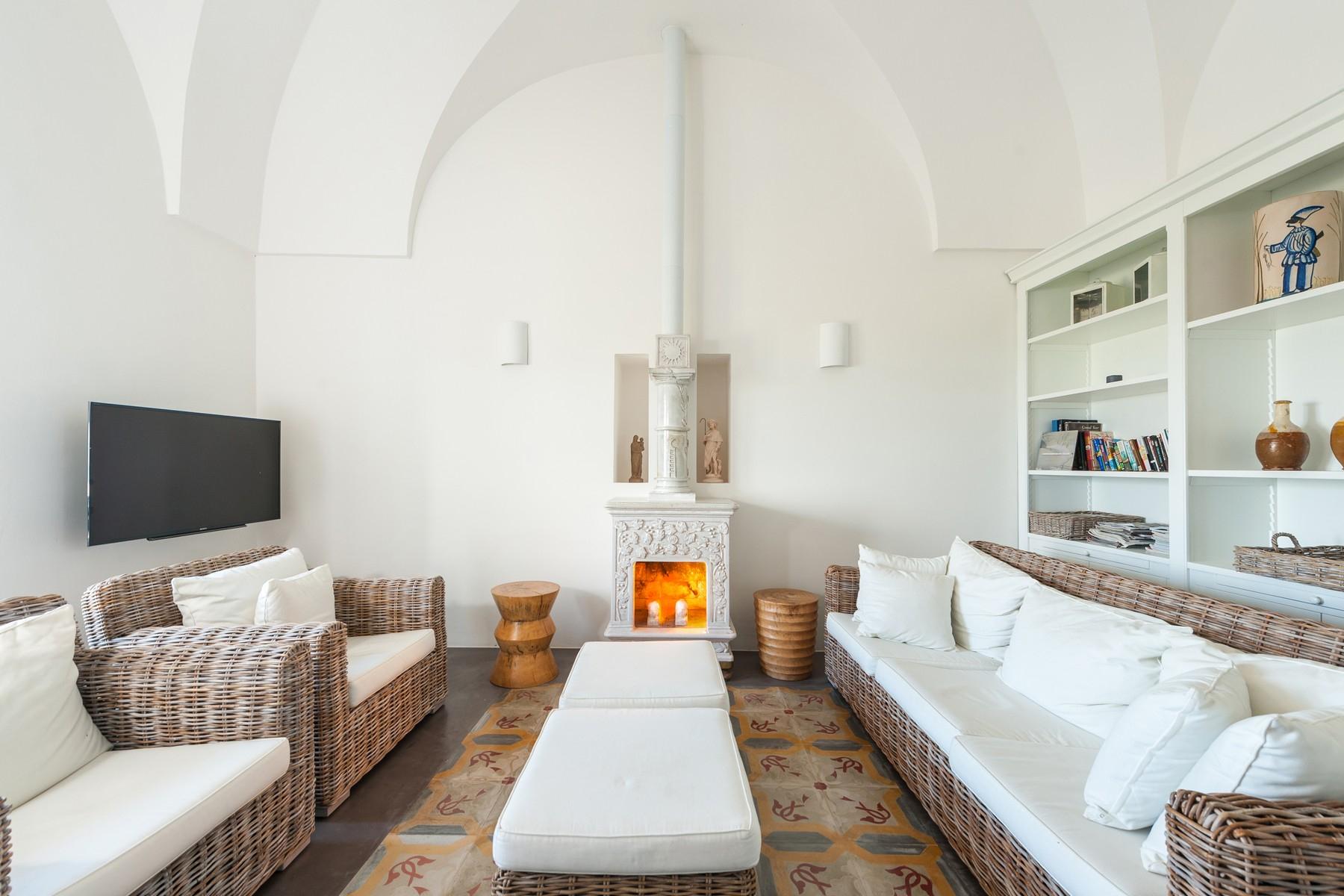Appartamento in Vendita a Ostuni: 5 locali, 265 mq - Foto 2