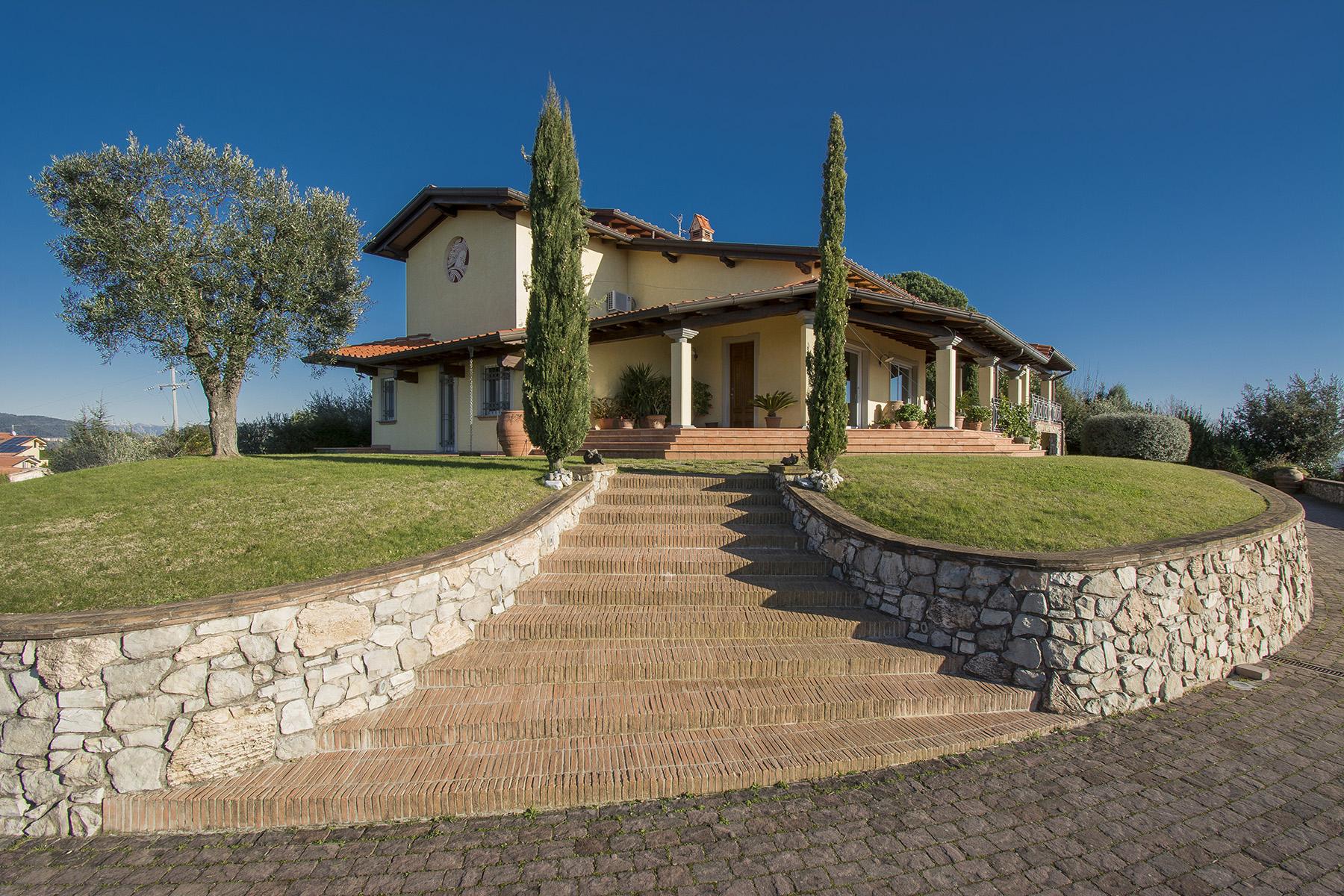 Villa in Vendita a Massarosa: 5 locali, 300 mq