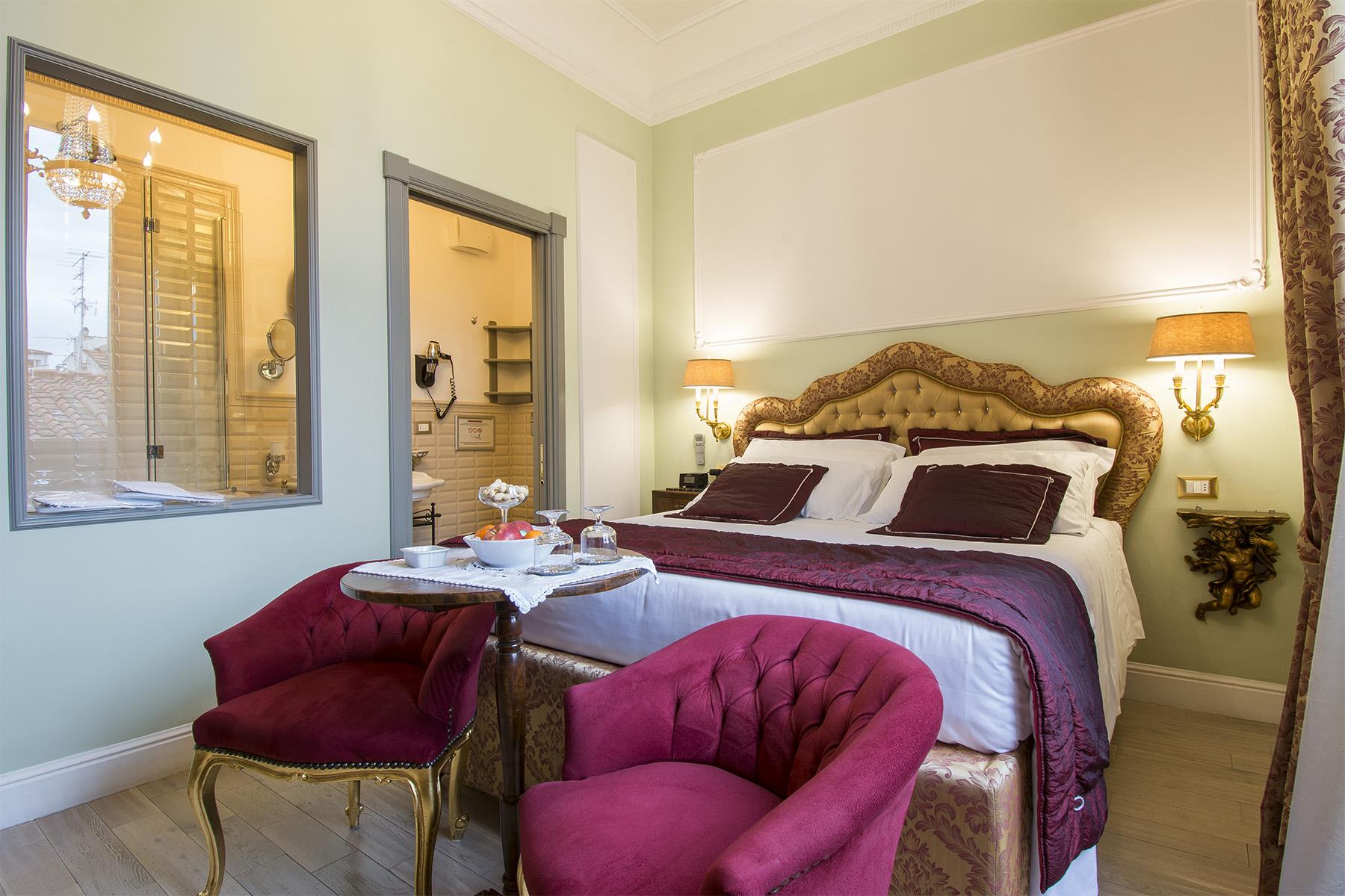 Appartamento in Vendita a Firenze: 5 locali, 220 mq - Foto 2
