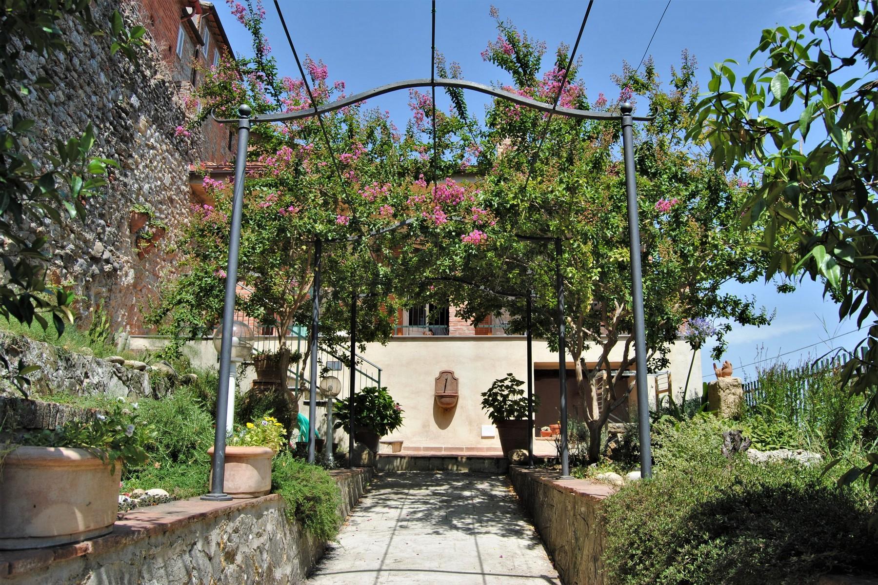 Casa indipendente in Vendita a Monteleone D'Orvieto: 5 locali, 260 mq - Foto 2