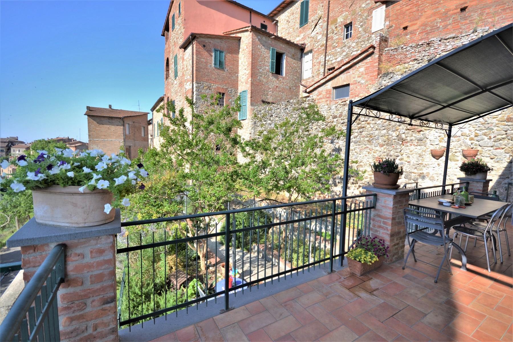 Casa indipendente in Vendita a Monteleone D'Orvieto: 5 locali, 260 mq - Foto 1