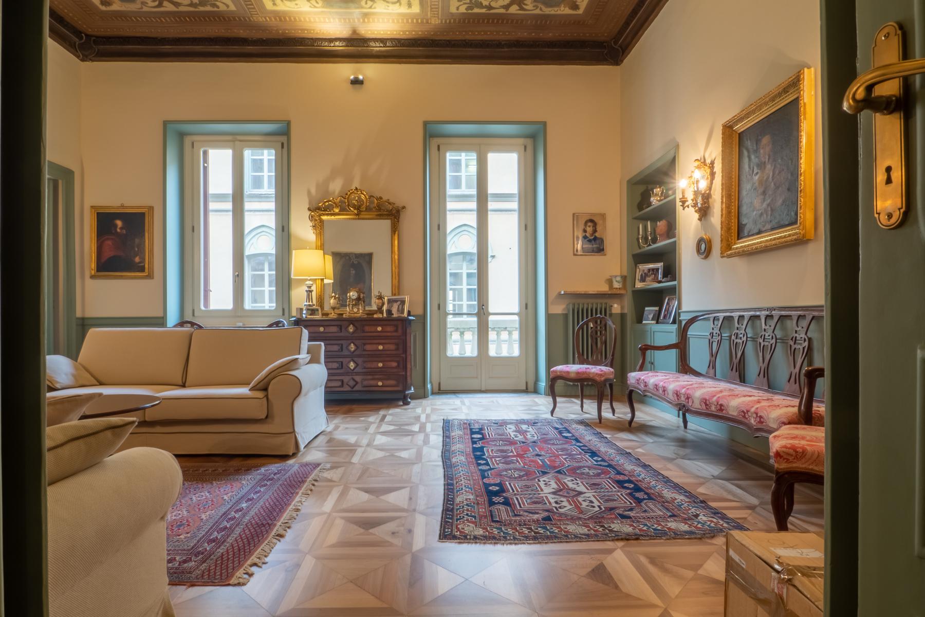 Appartamento in Vendita a Torino Centro: 5 locali, 304 mq