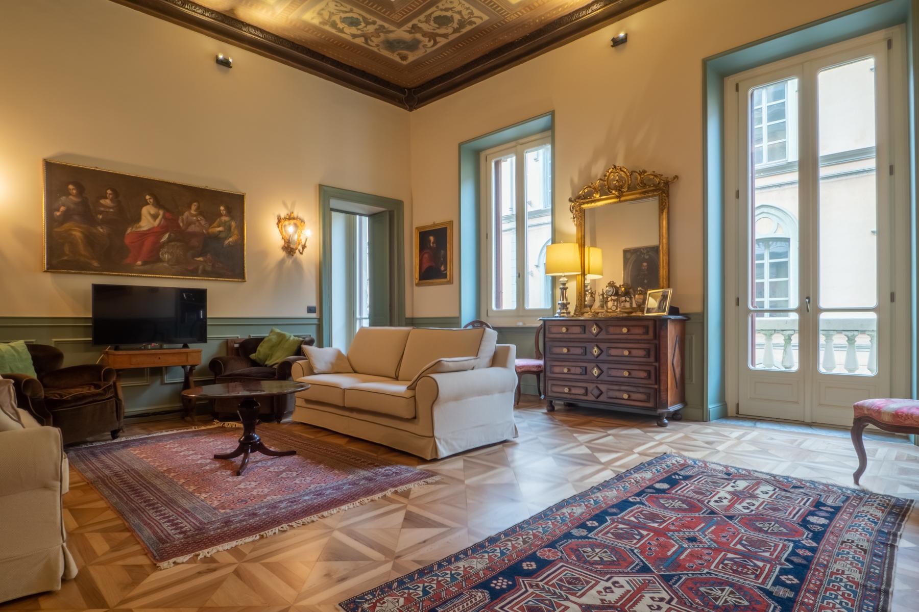Appartamento in Vendita a Torino: 5 locali, 304 mq - Foto 2