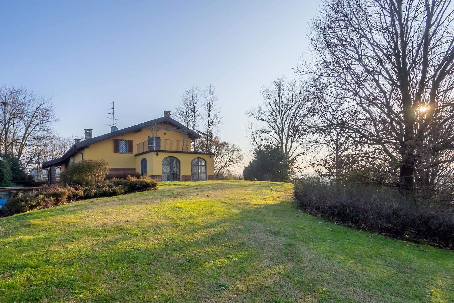 Villa in Vendita a Conzano: 5 locali, 420 mq