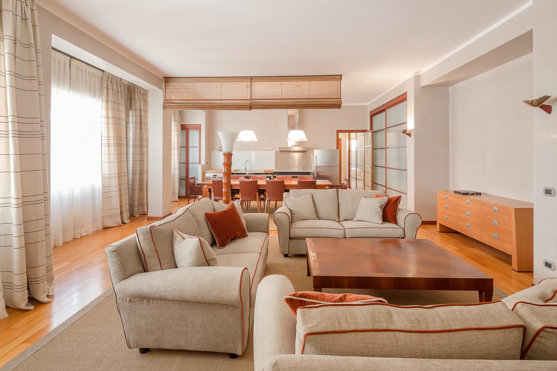 Appartamento in Affitto a Milano: 3 locali, 150 mq
