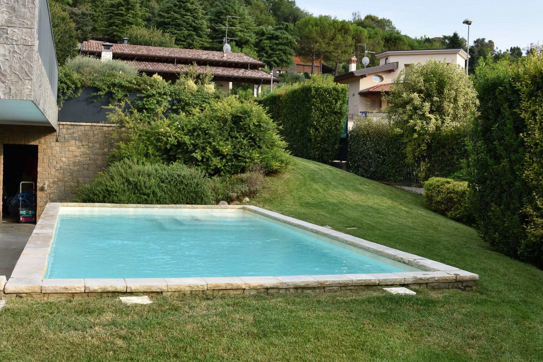 Villa in Vendita a Gussago: 5 locali, 618 mq - Foto 8