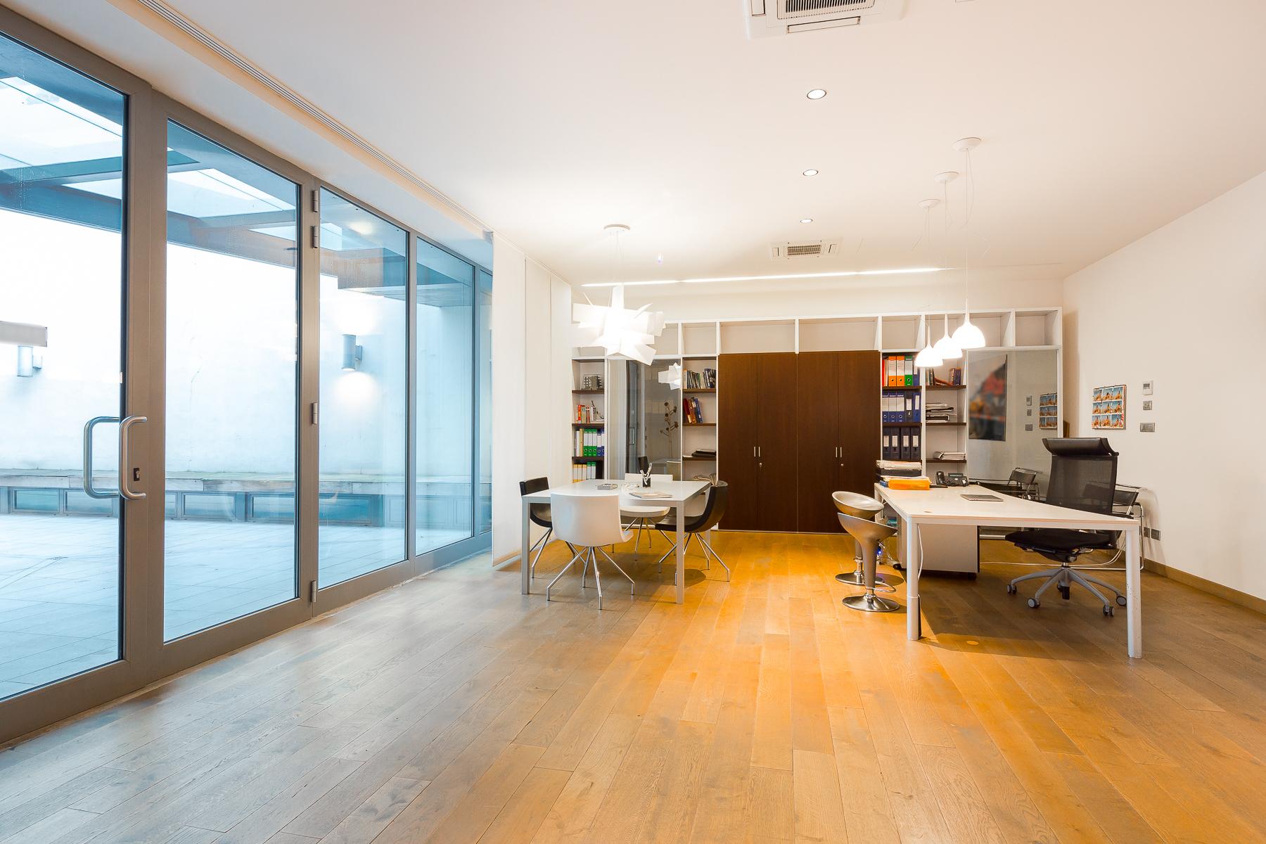 Casa indipendente in Vendita a Milano: 5 locali, 590 mq - Foto 2