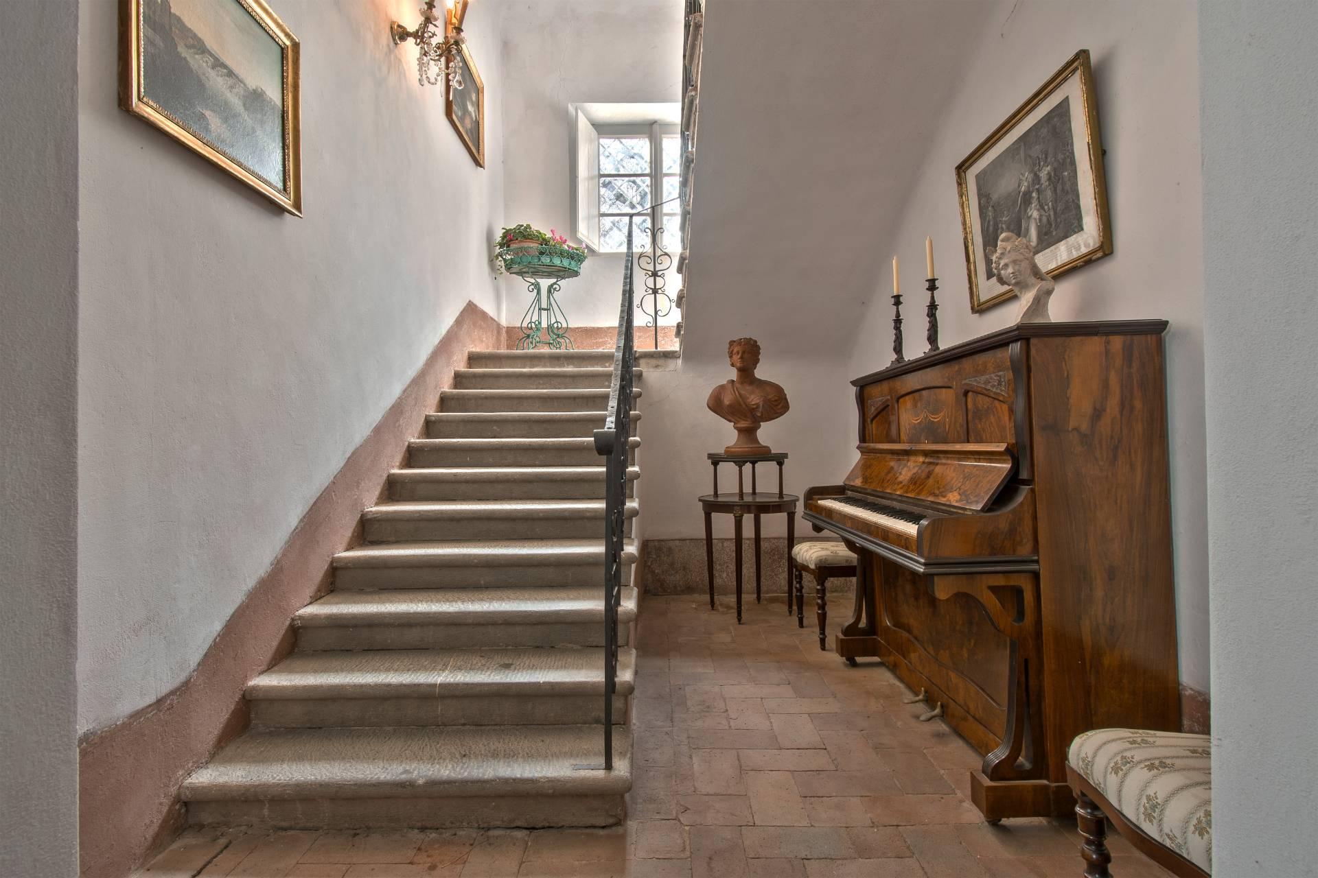 Villa in Vendita a Coreglia Antelminelli: 5 locali, 940 mq - Foto 16