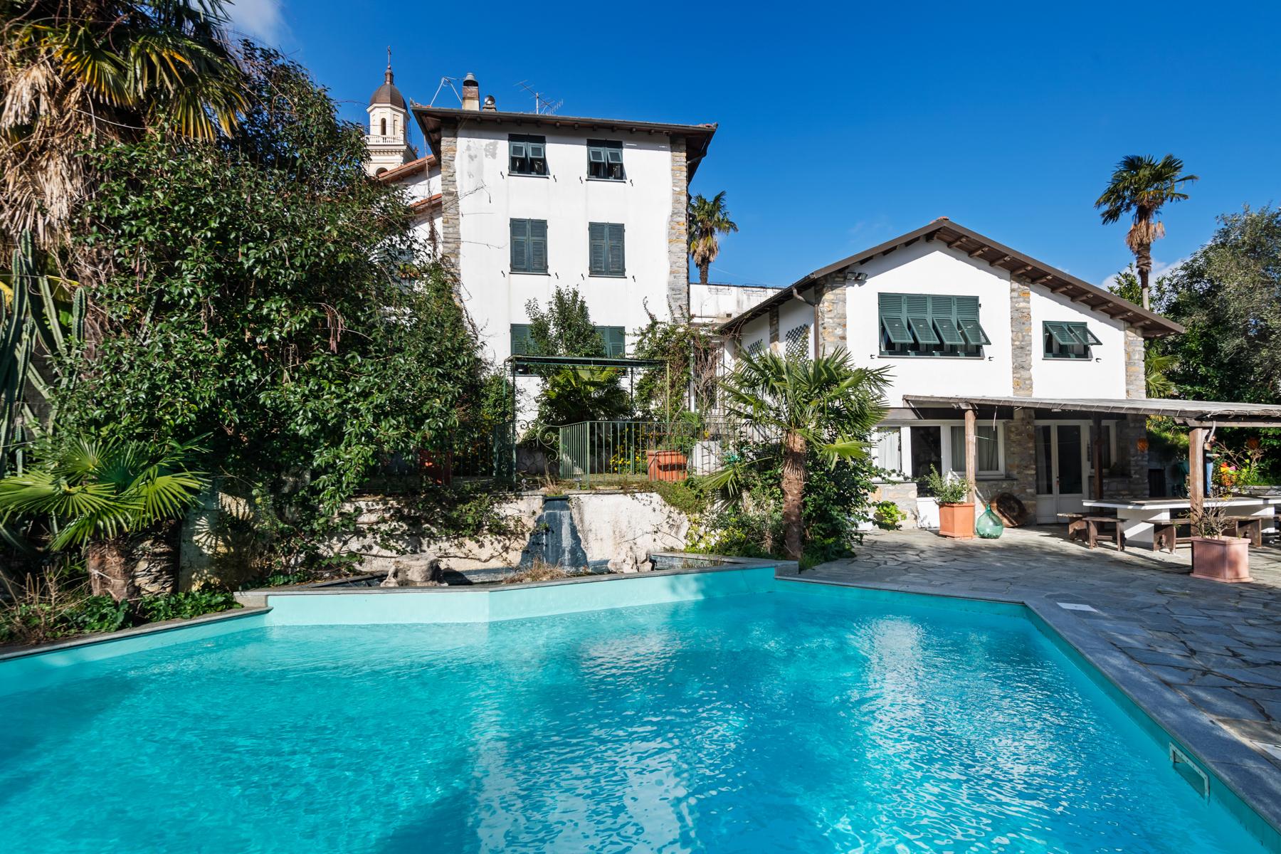Villa in Vendita a Rapallo via san massimo
