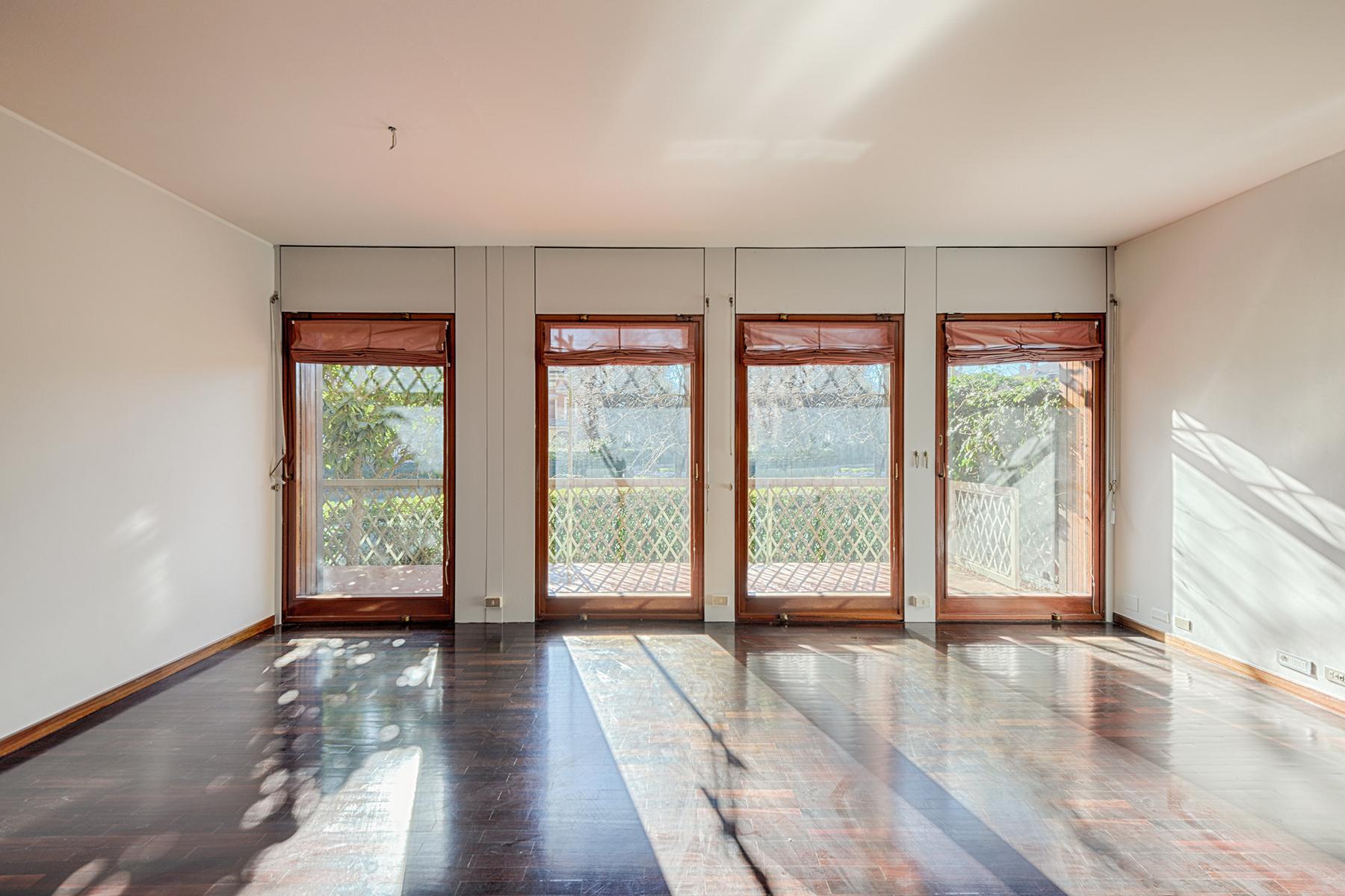 Appartamento in Vendita a Torino: 5 locali, 221 mq - Foto 2