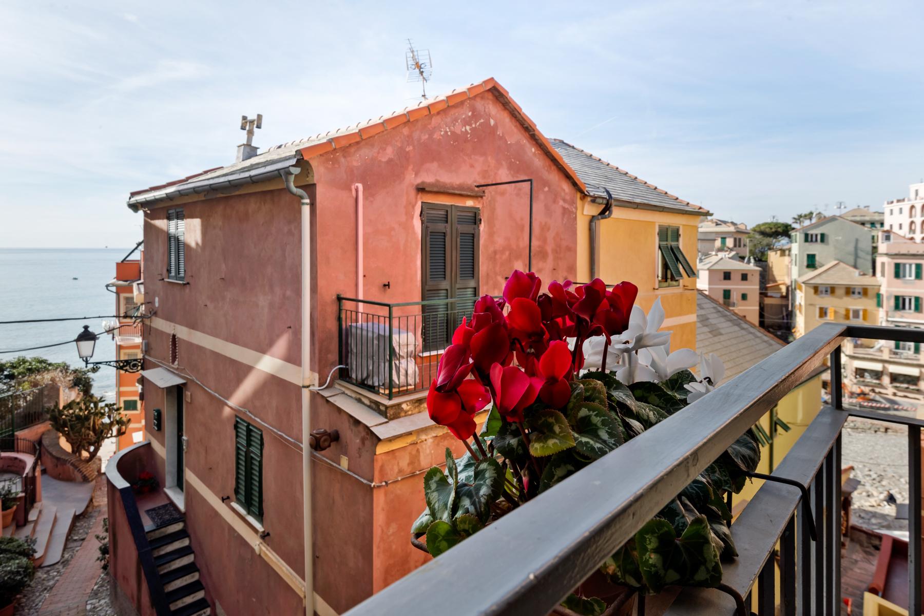 Casa indipendente in Vendita a Genova via al capo di santa chiara