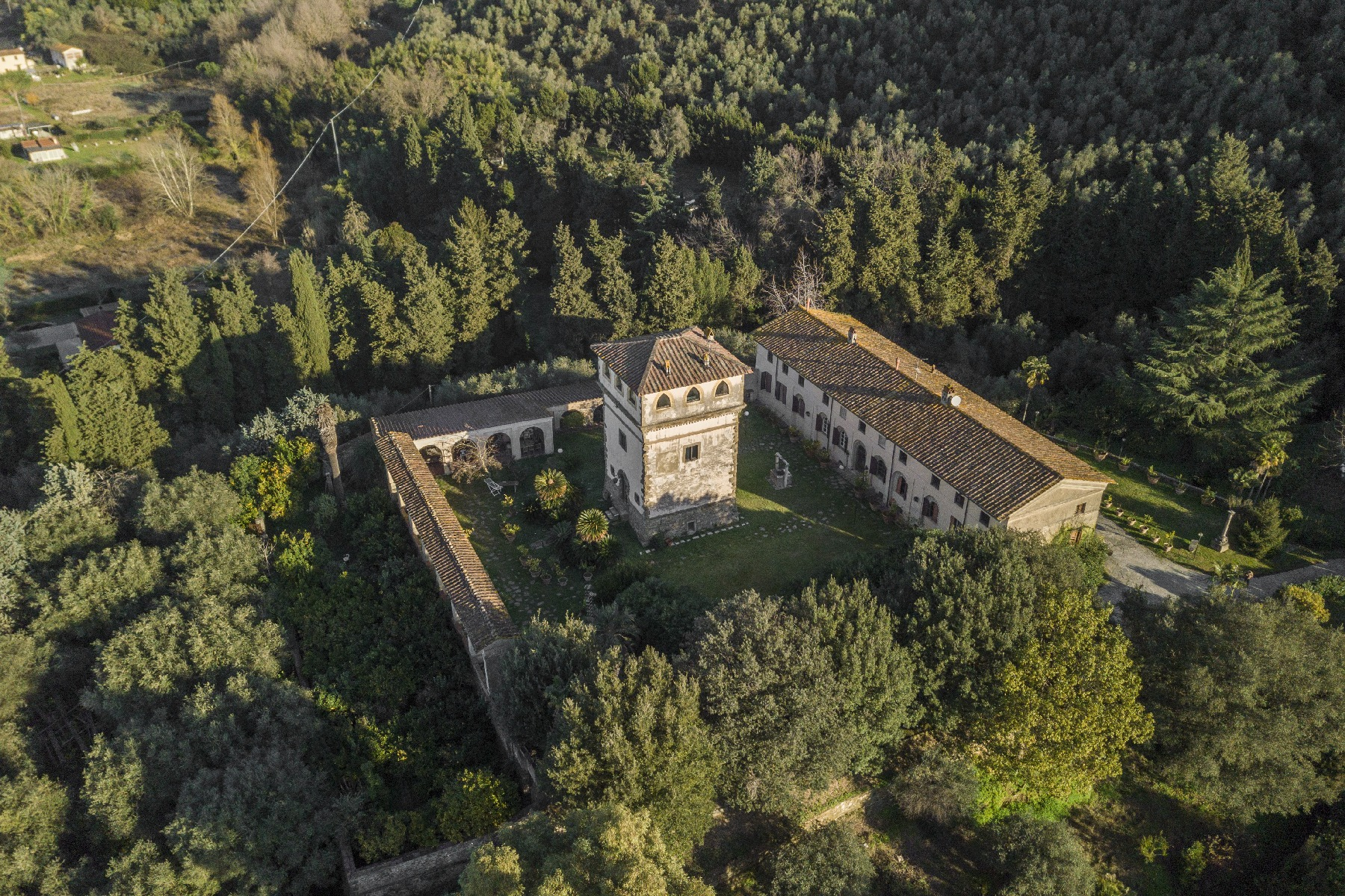 Villa in Vendita a Camaiore: 5 locali, 2800 mq - Foto 13