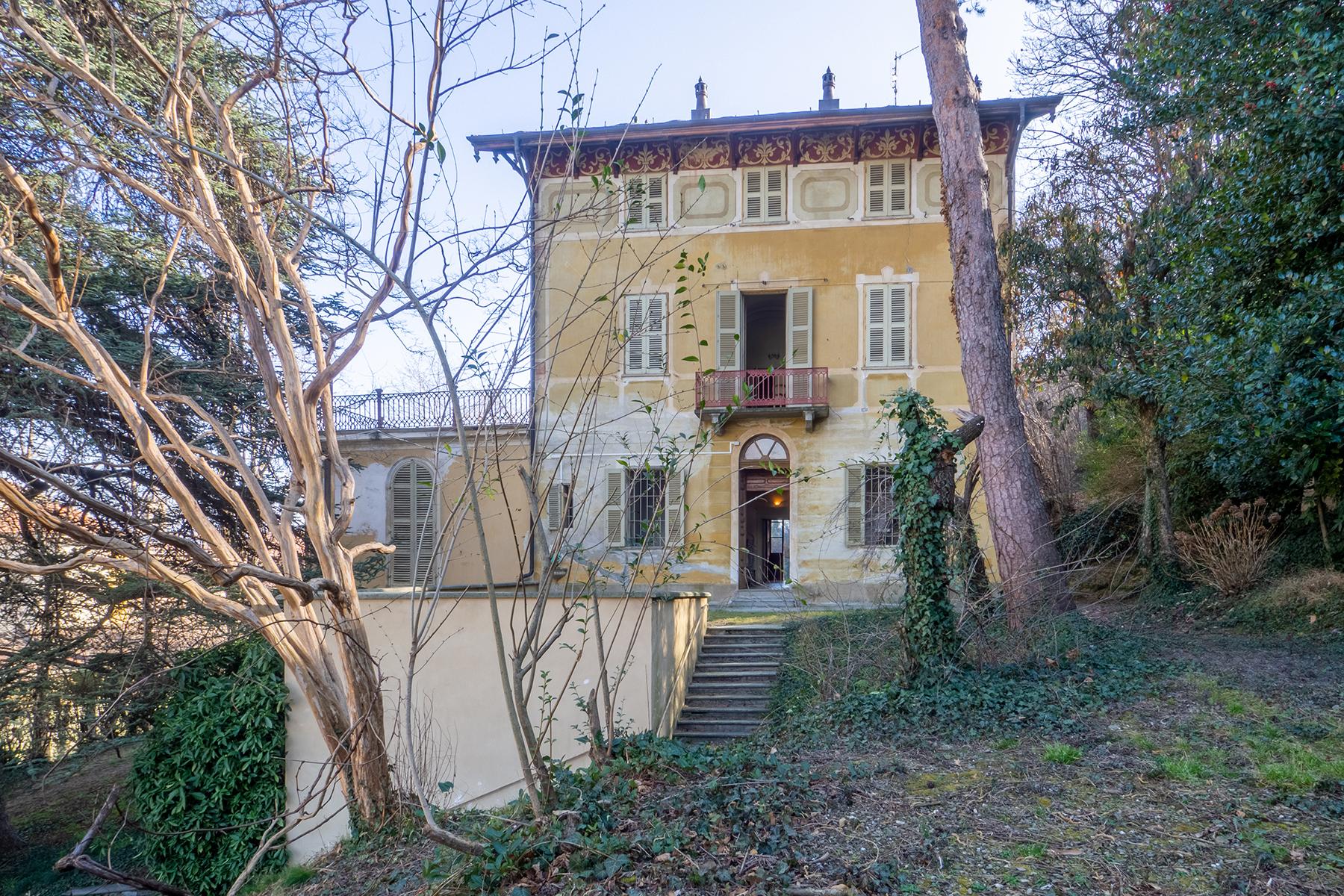 Villa in Vendita a Cavour: 5 locali, 600 mq