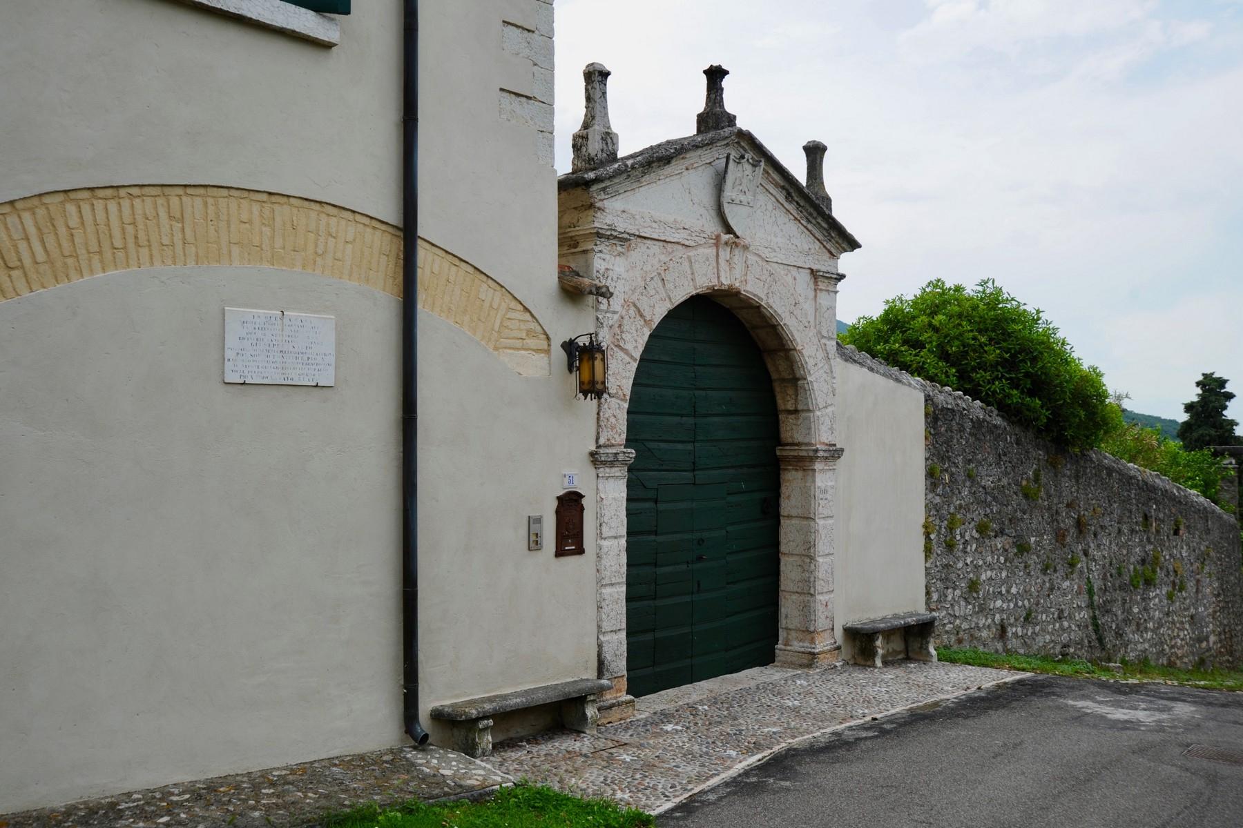 Villa in Vendita a Verona: 5 locali, 450 mq - Foto 3