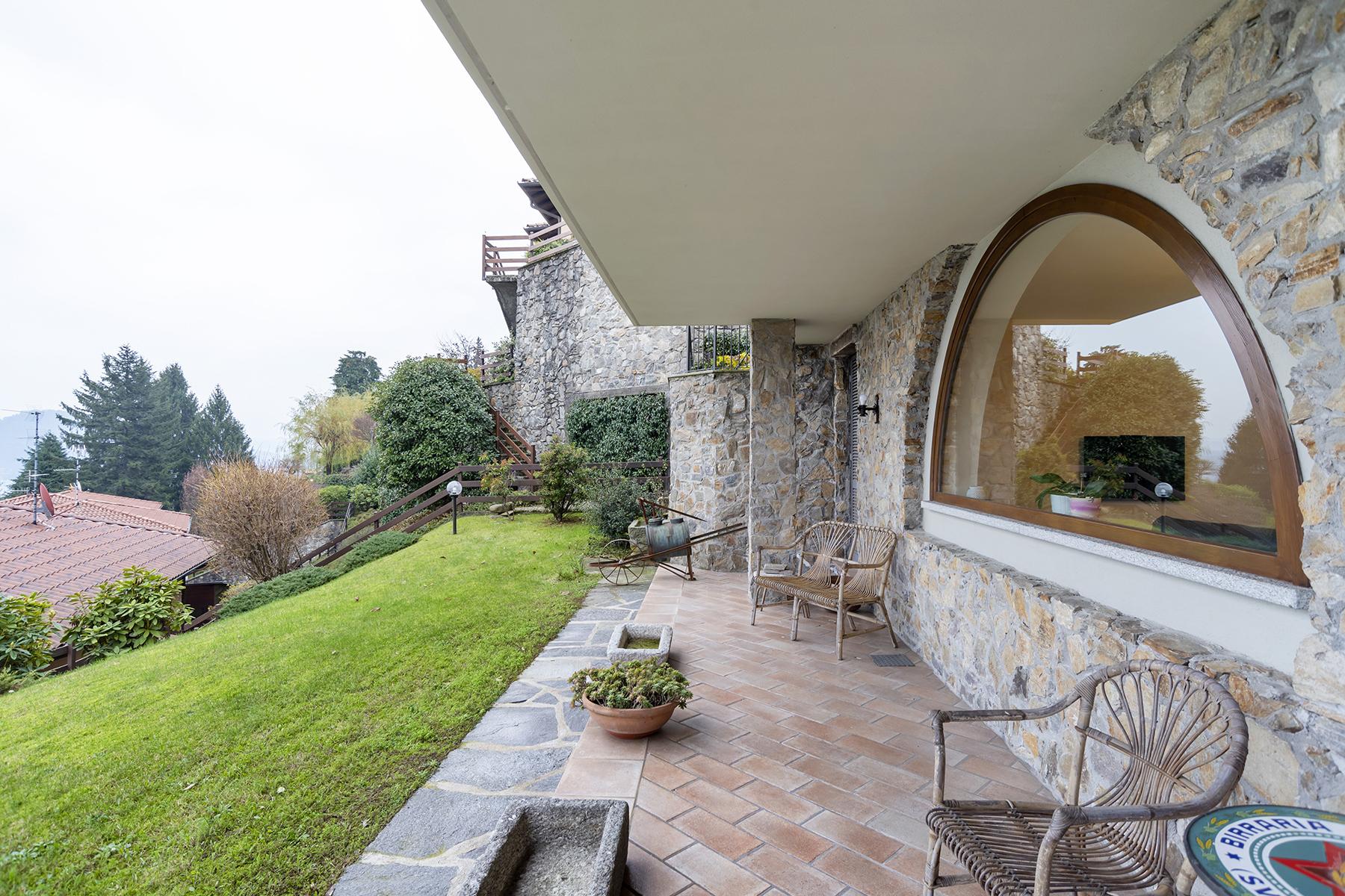 Villa in Vendita a Meina: 4 locali, 300 mq
