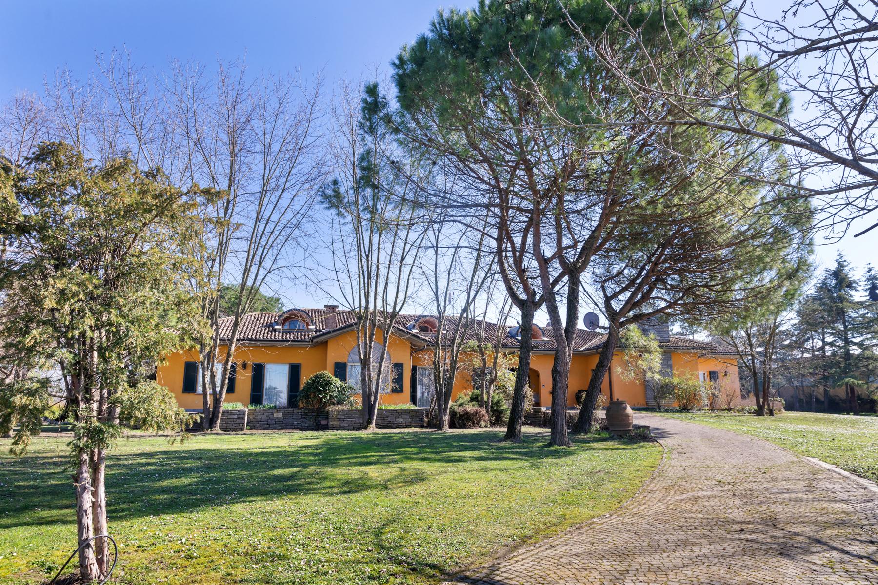 Villa in Vendita a Pinarolo Po: 5 locali, 1000 mq