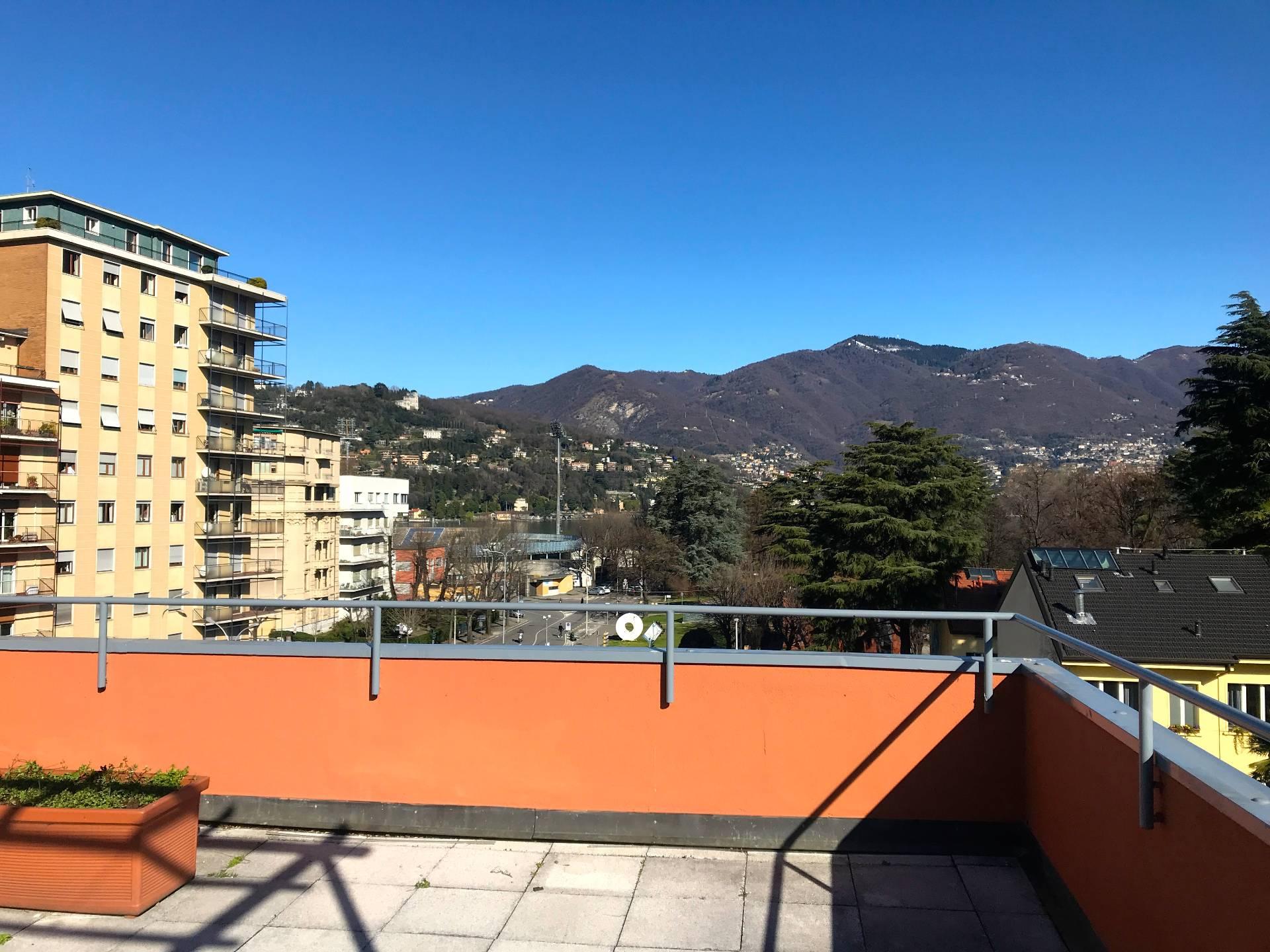 Appartamento in Affitto a Como: 5 locali, 120 mq