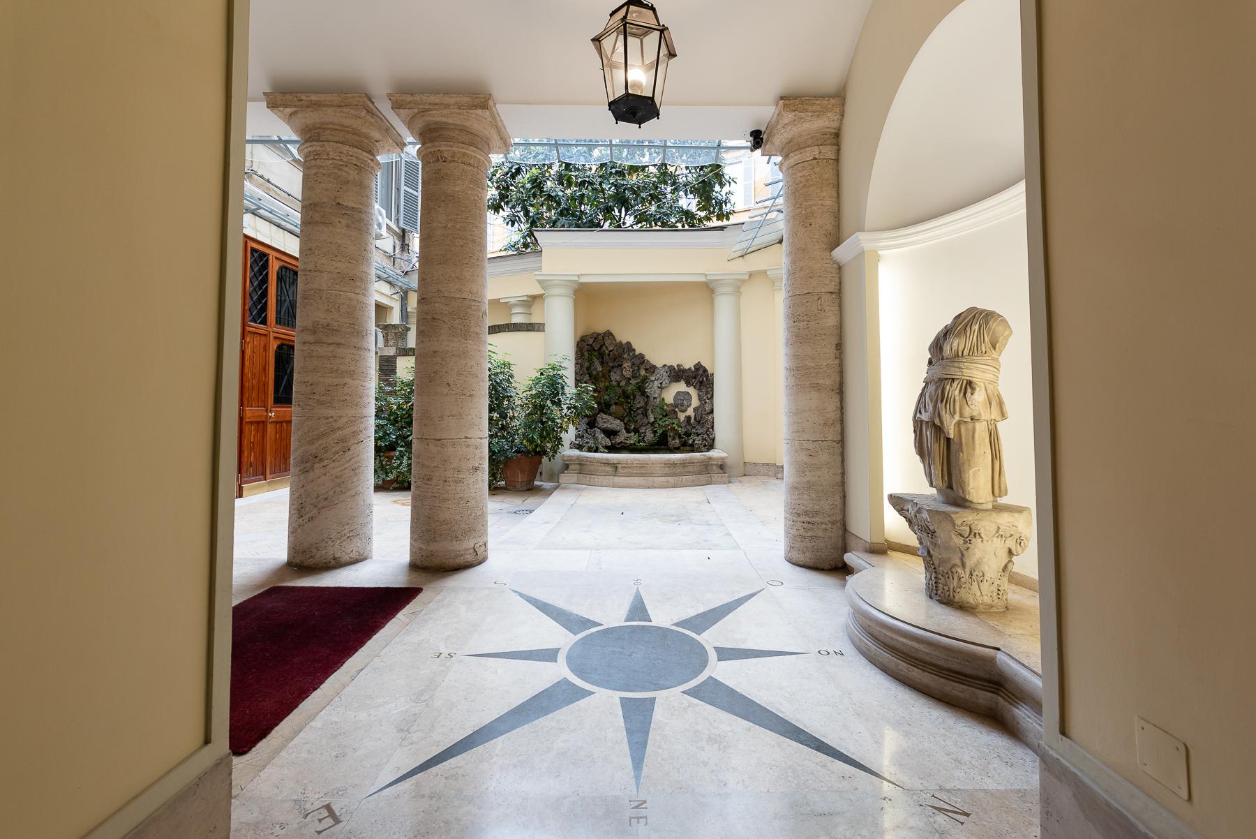 Appartamento in Vendita a Roma: 5 locali, 215 mq - Foto 5