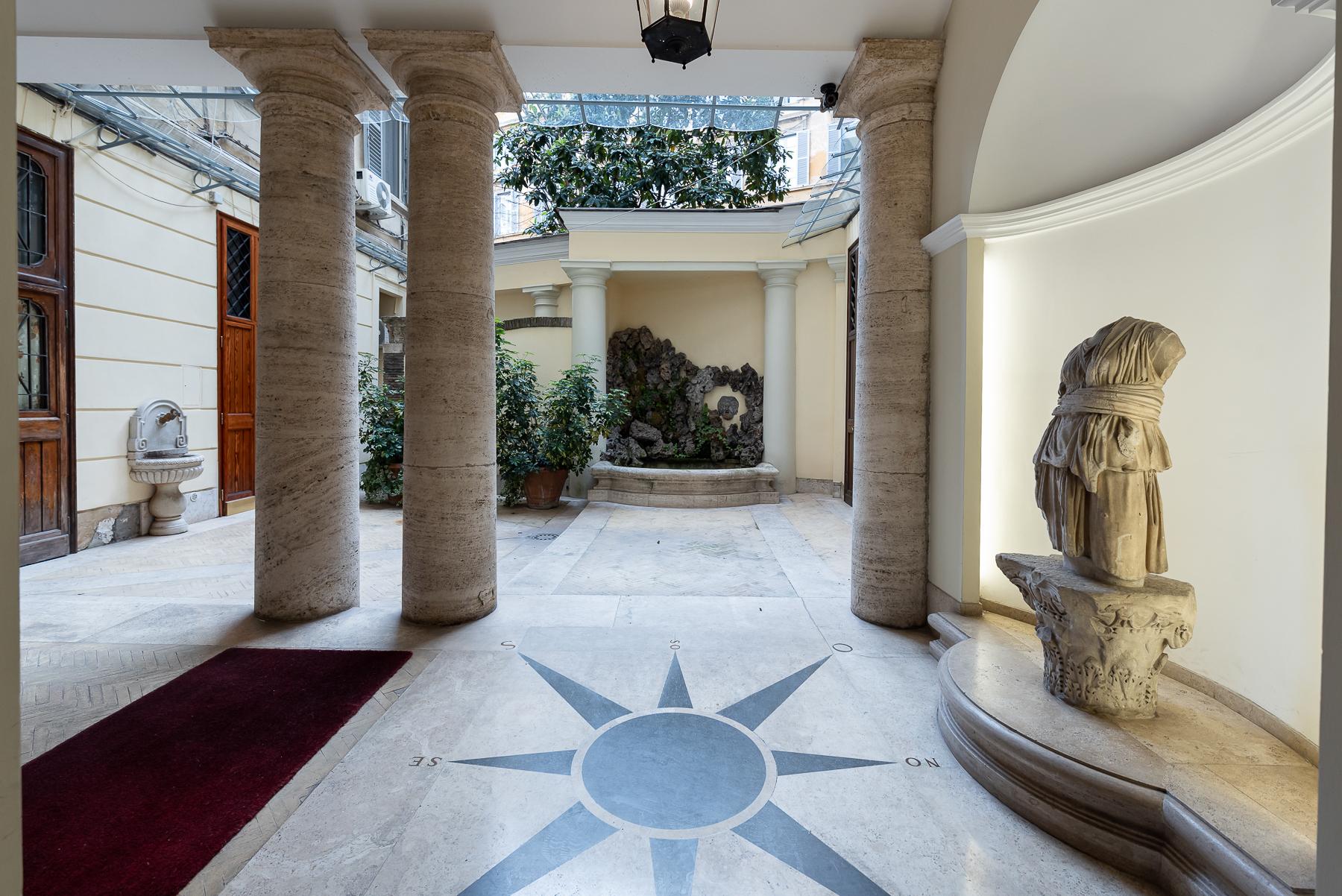 Appartamento in Vendita a Roma: 5 locali, 215 mq - Foto 4