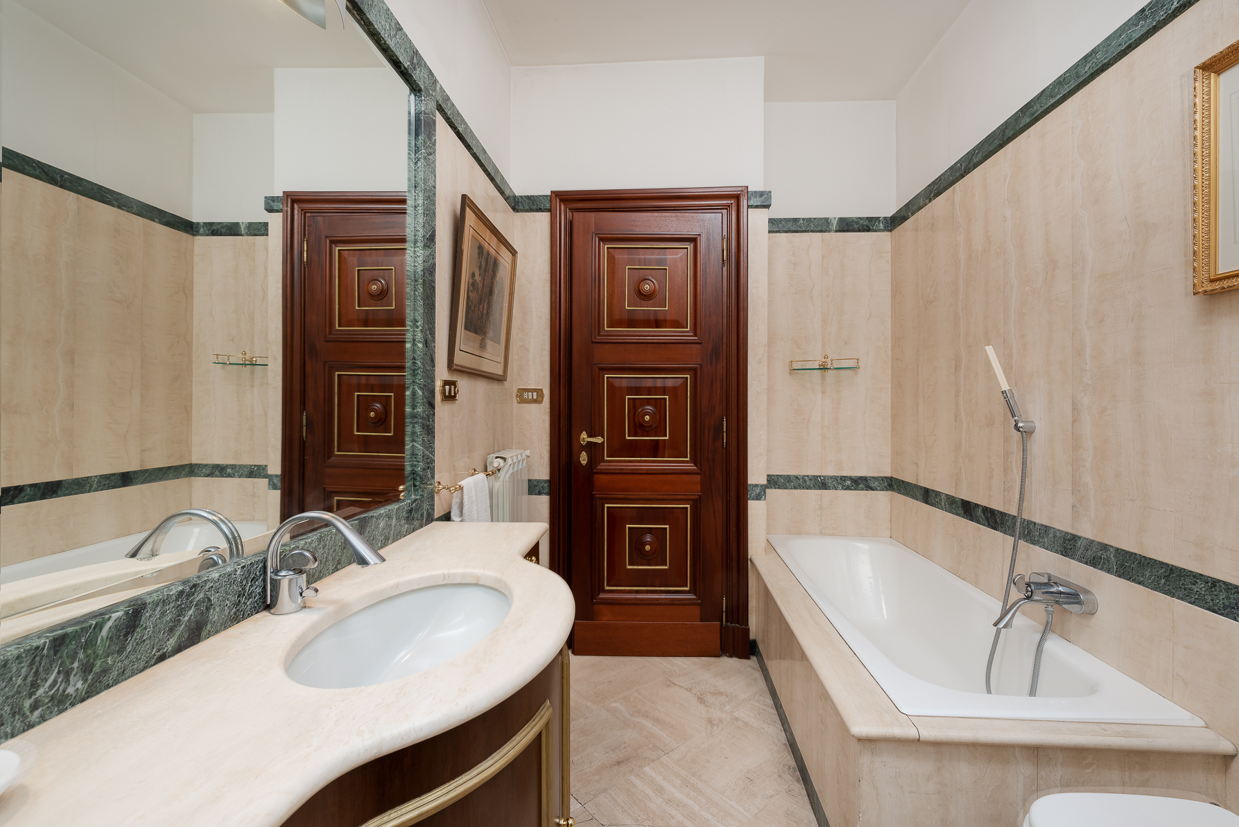 Appartamento in Vendita a Roma: 5 locali, 215 mq - Foto 2