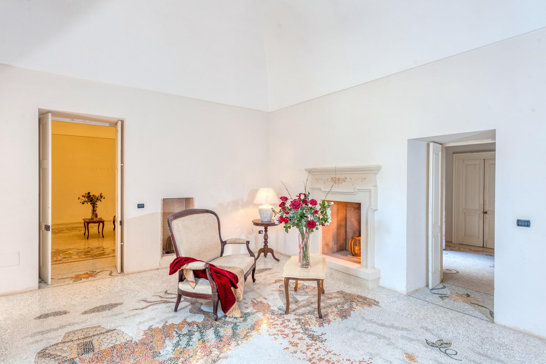 Palazzo in Vendita a Martano: 5 locali, 800 mq - Foto 5