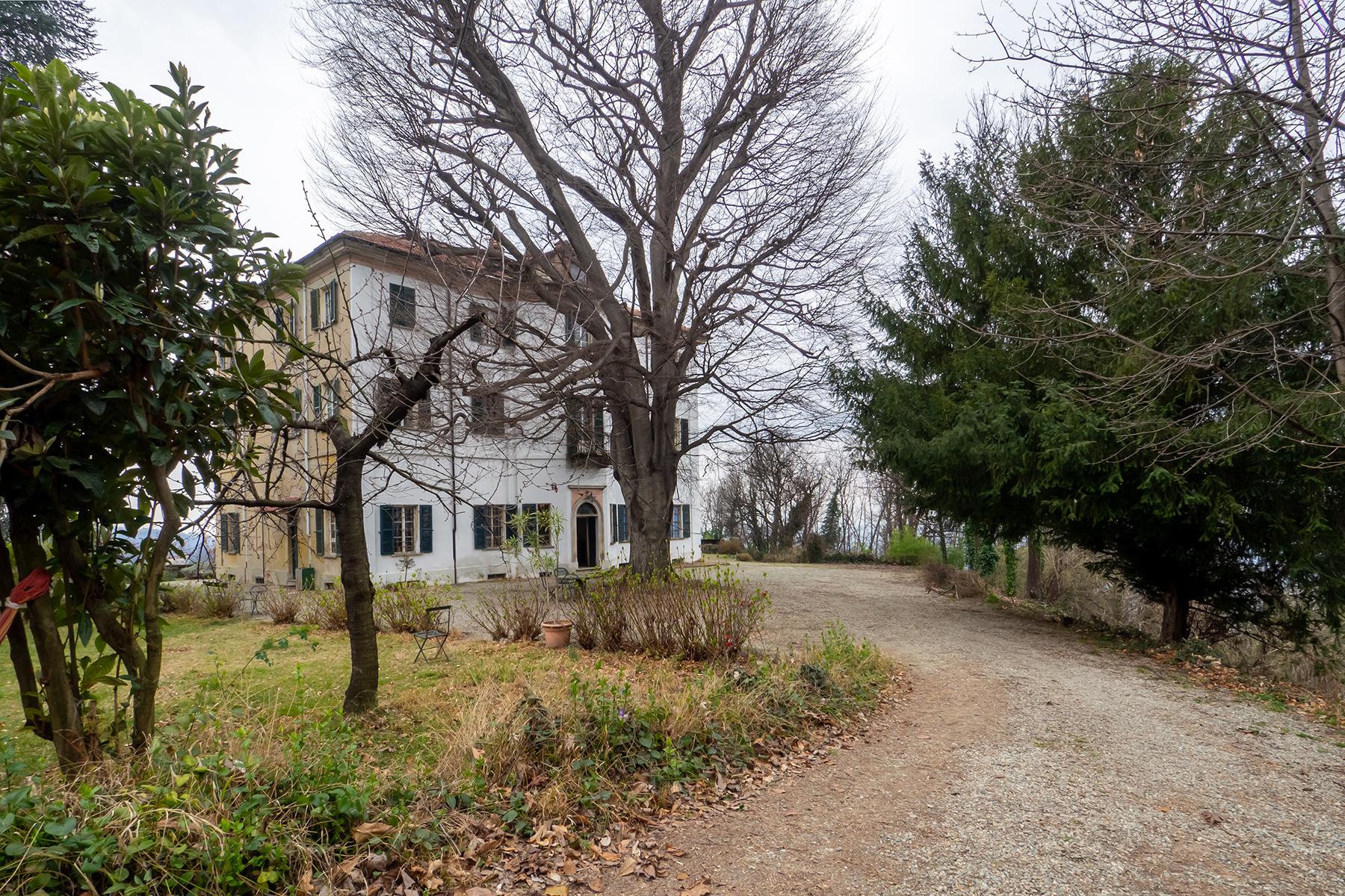 Villa in Vendita a Castagneto Po: 5 locali, 600 mq - Foto 2