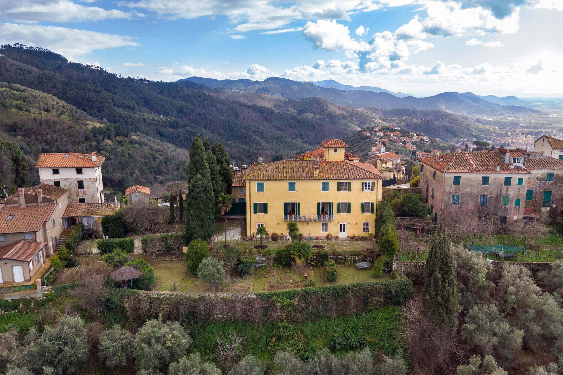 Villa in Vendita a Massarosa: 5 locali, 501 mq - Foto 2