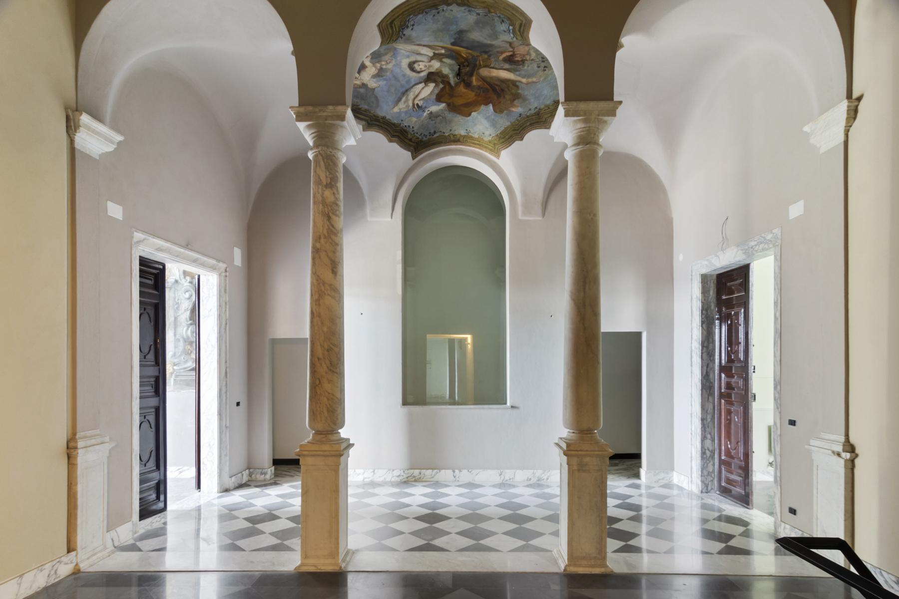 Appartamento in Vendita a Genova: 4 locali, 304 mq