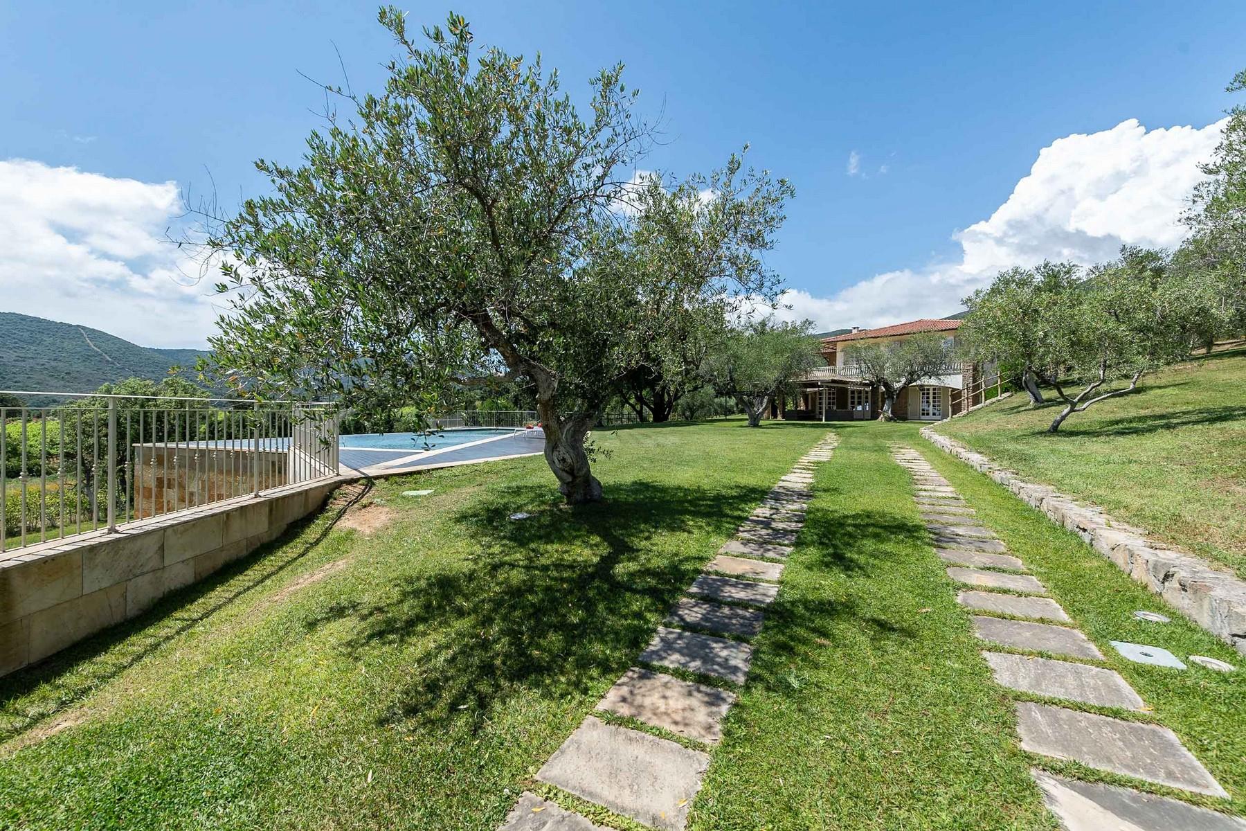 Villa in Vendita a Castiglione Della Pescaia: 5 locali, 310 mq - Foto 2