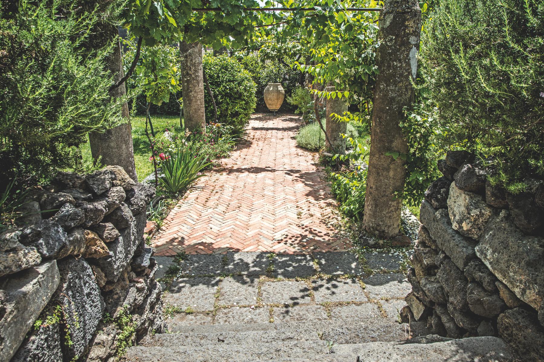 Villa in Vendita a Mascalucia: 5 locali, 600 mq - Foto 4