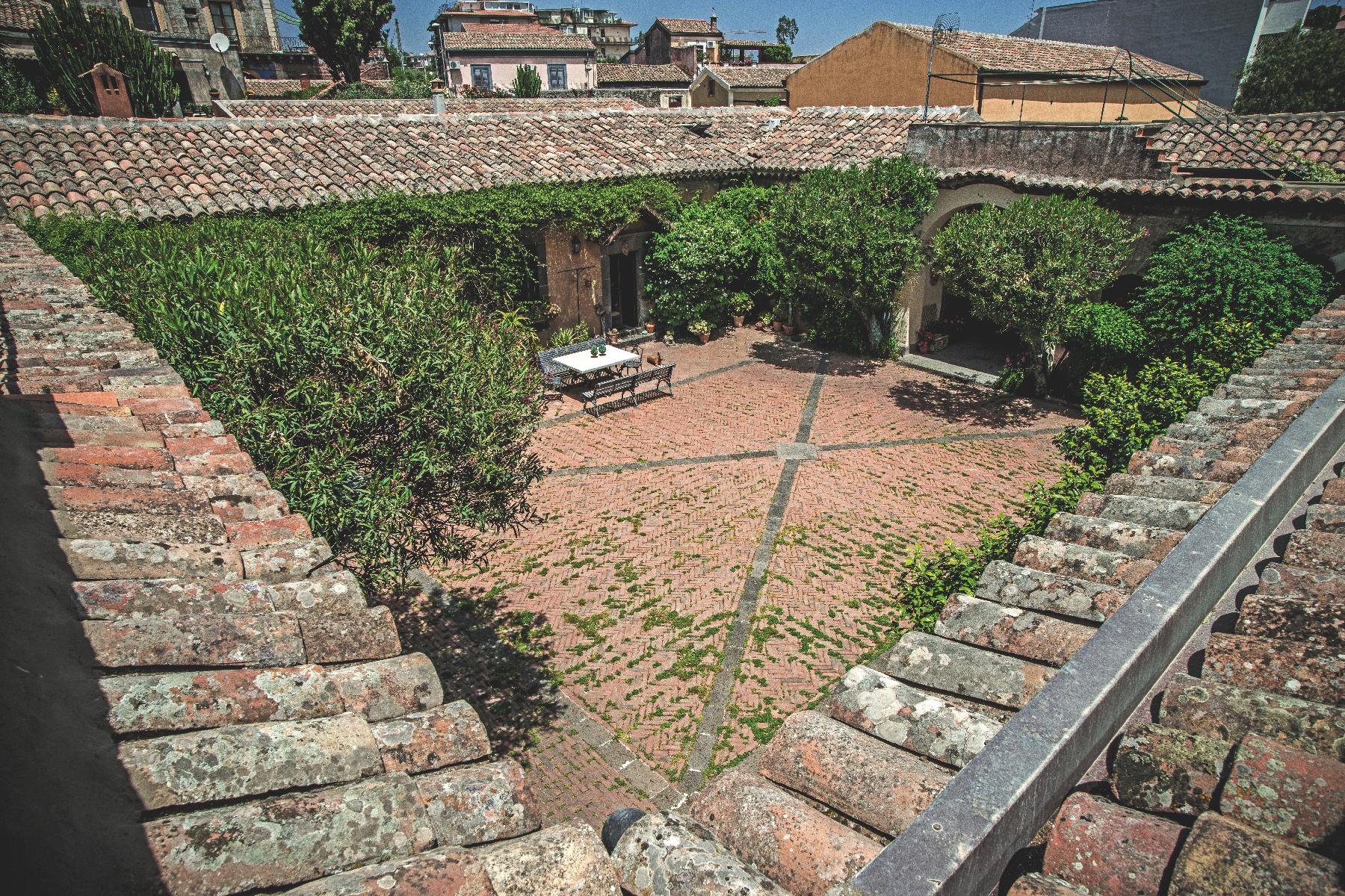 Villa in Vendita a Mascalucia: 5 locali, 600 mq - Foto 3