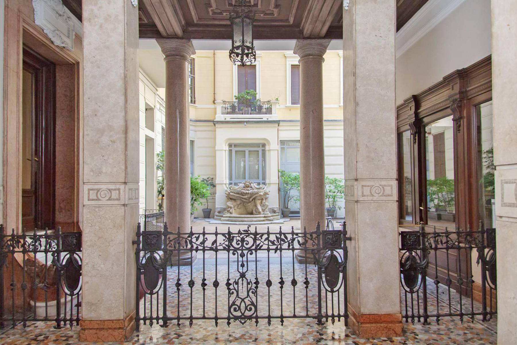 Appartamento in Vendita a Milano 08 Vercelli / Magenta / Cadorna / Washington: 5 locali, 230 mq