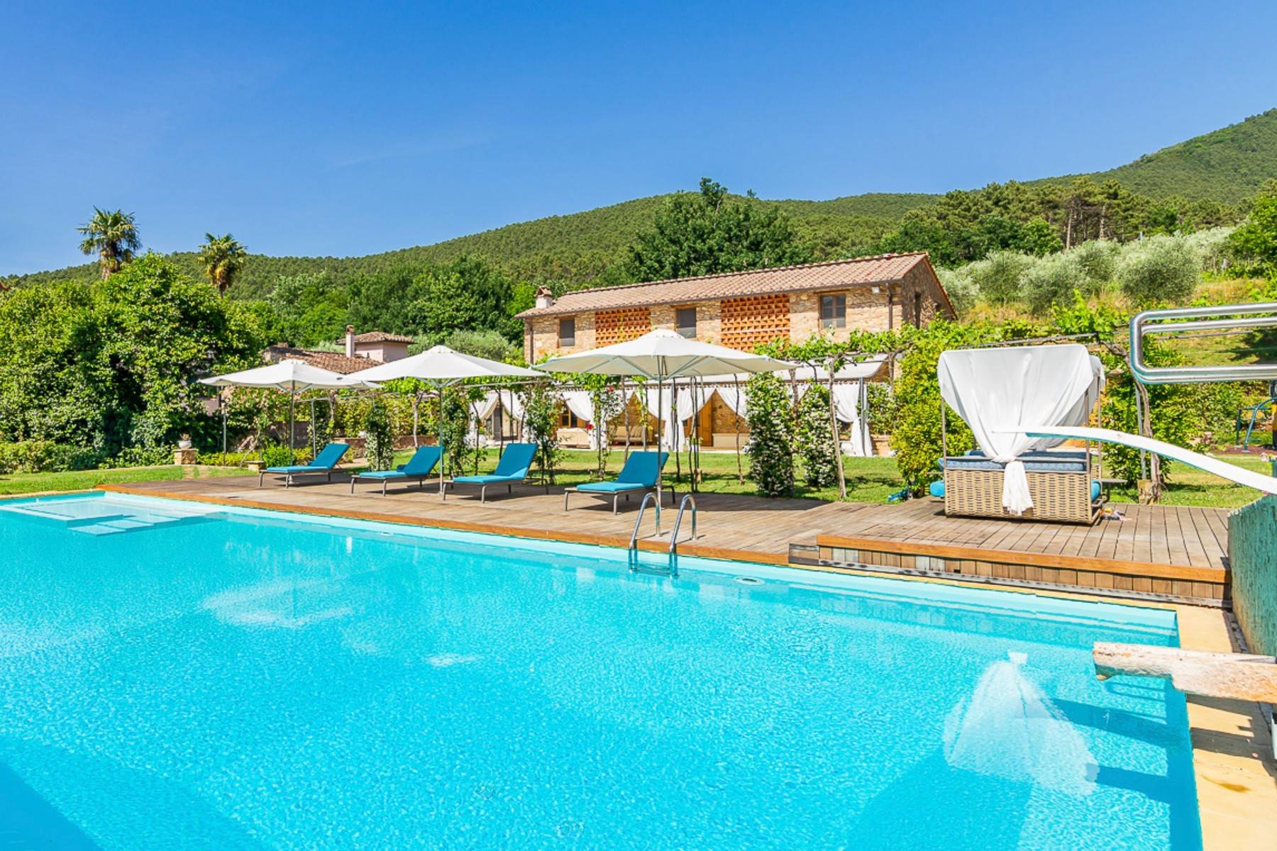 Villa in Vendita a Lucca: 5 locali, 1130 mq - Foto 4