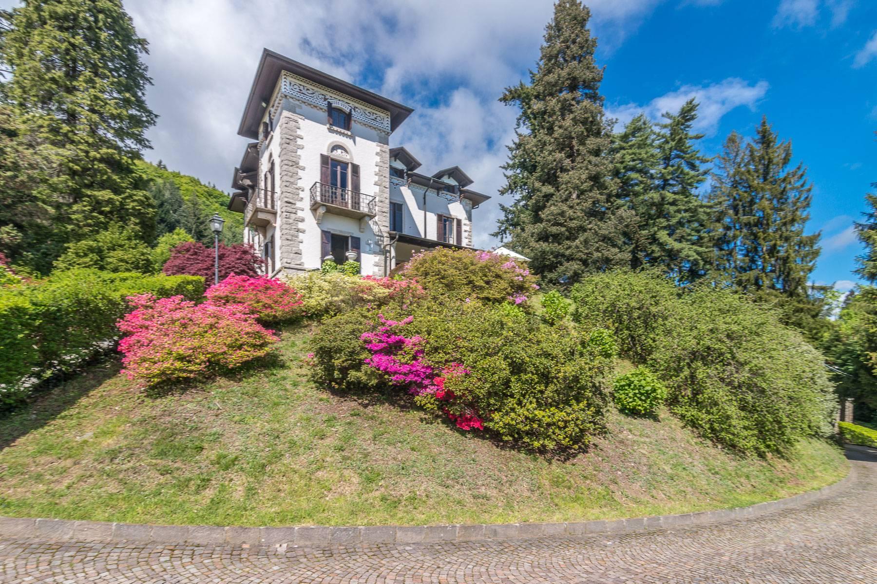 Villa in Affitto a Stresa via viale mottino