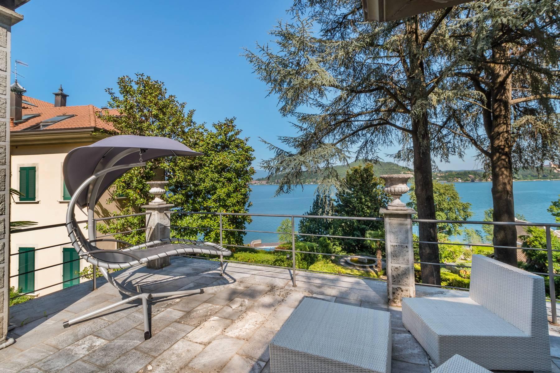 Villa in Vendita a Meina: 5 locali, 250 mq