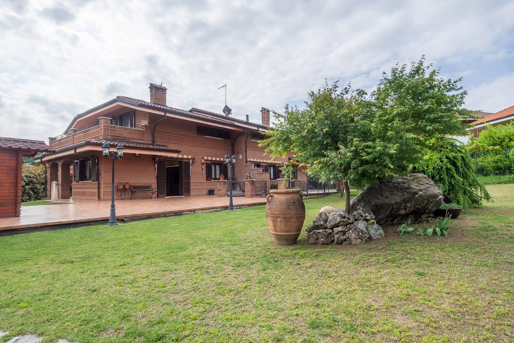 Villa in Vendita a Rosta strada dei campi