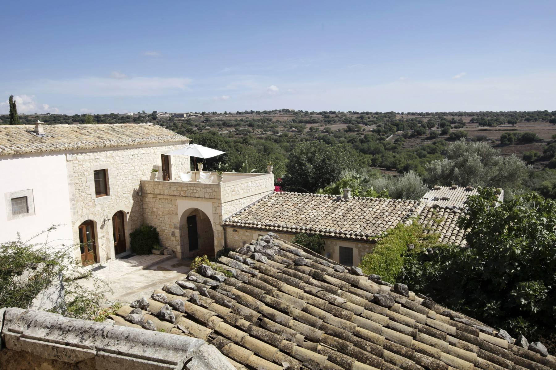 Villa in Vendita a Ragusa: 5 locali, 695 mq - Foto 3