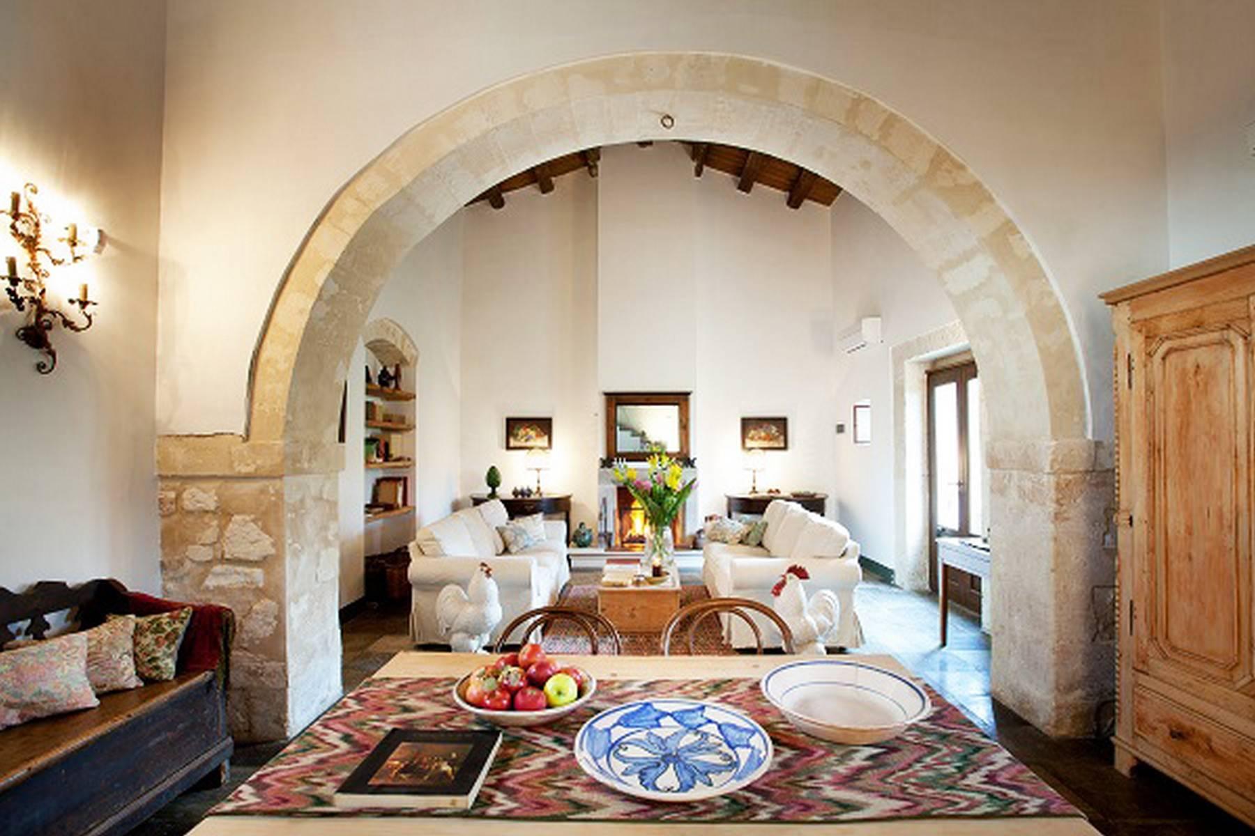 Villa in Vendita a Ragusa: 5 locali, 695 mq - Foto 2