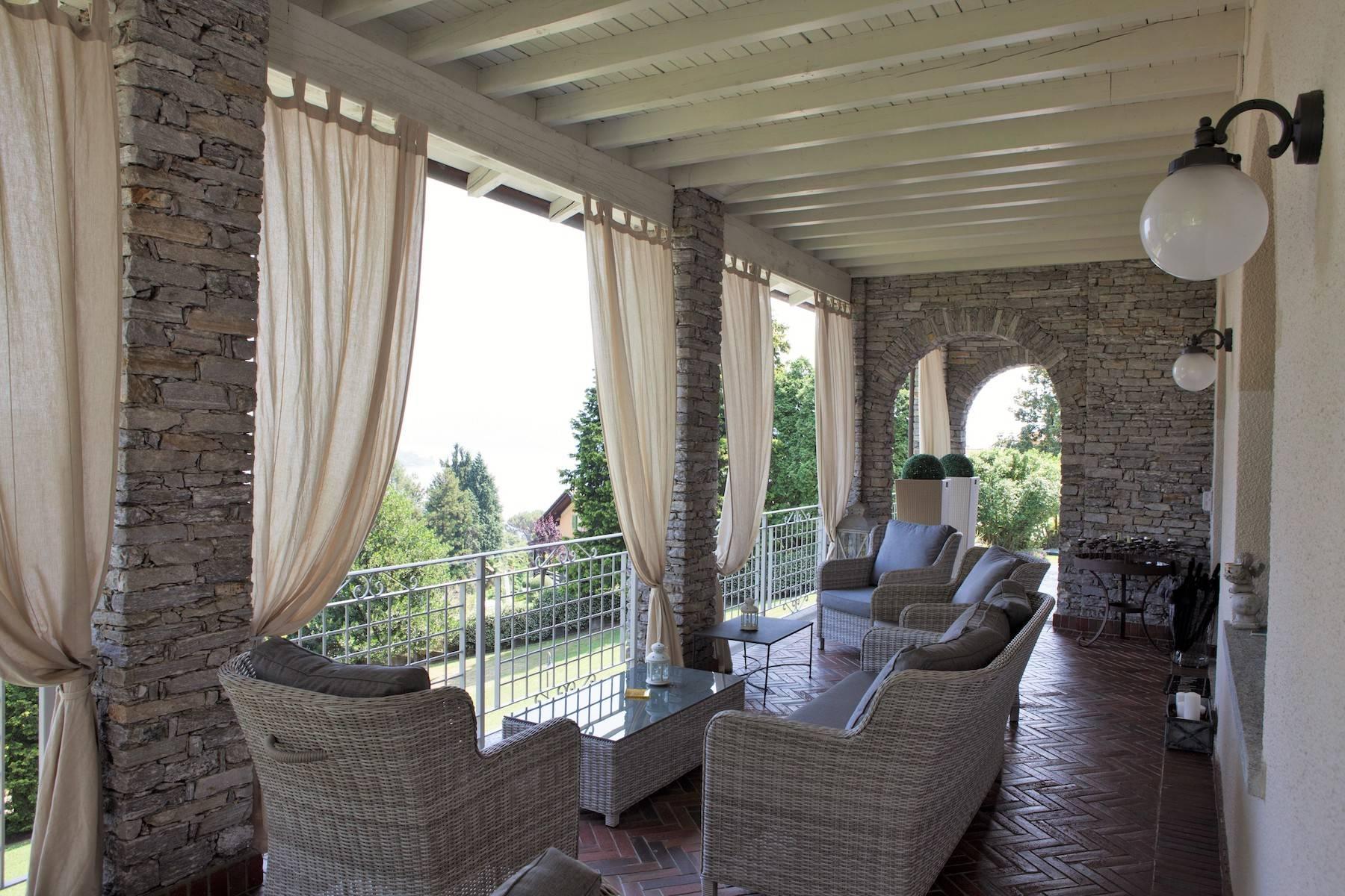 Villa in Affitto a Baveno: 5 locali, 600 mq