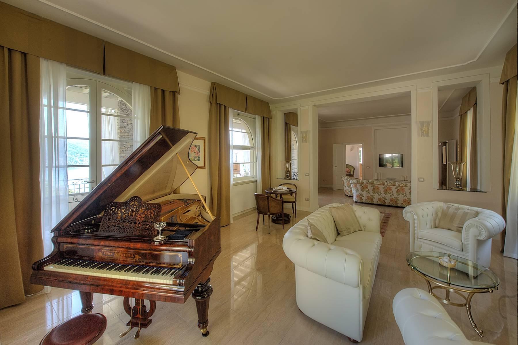Villa in Affitto a Baveno: 5 locali, 600 mq - Foto 6